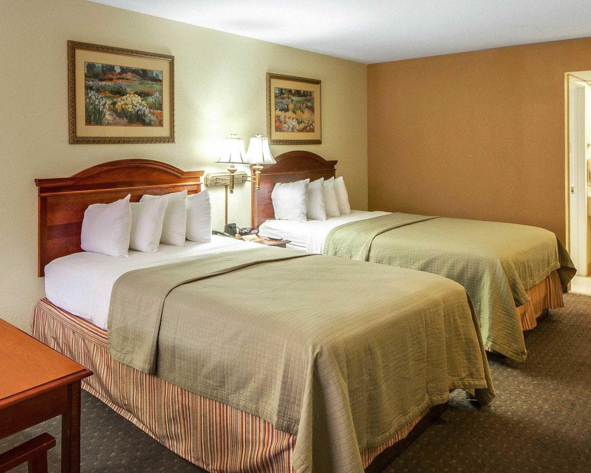 Quality Inn & Suites Eagle Pass image 3