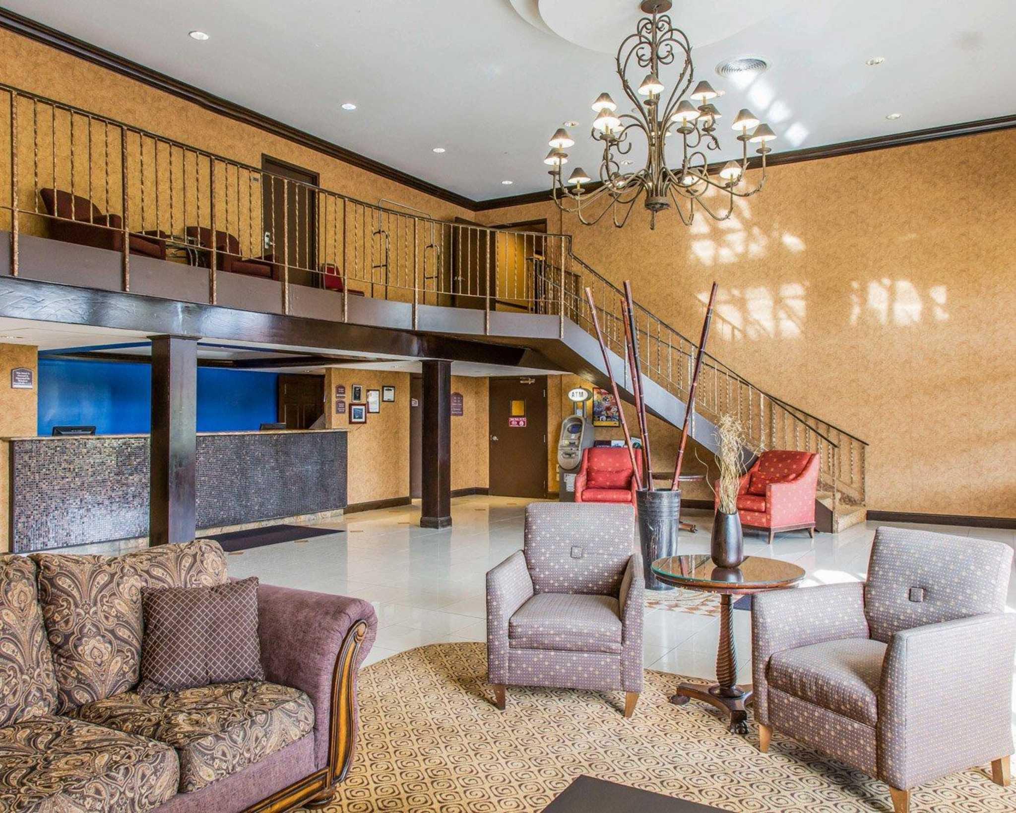 Rodeway Inn & Suites Bradley Airport image 12