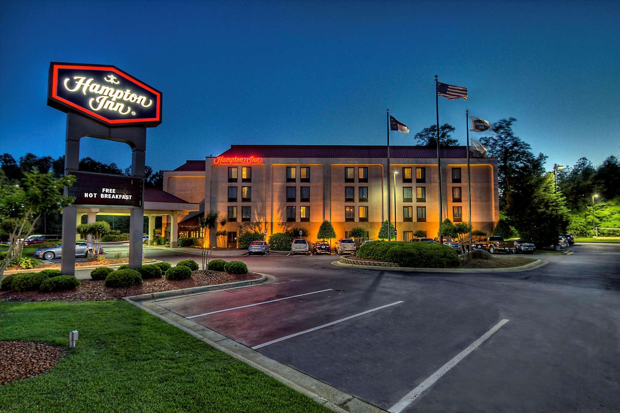 Hampton Inn Rocky Mount image 0