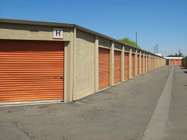 Merced Mini Storage At 1723 W 16th Street Merced Ca On Fave