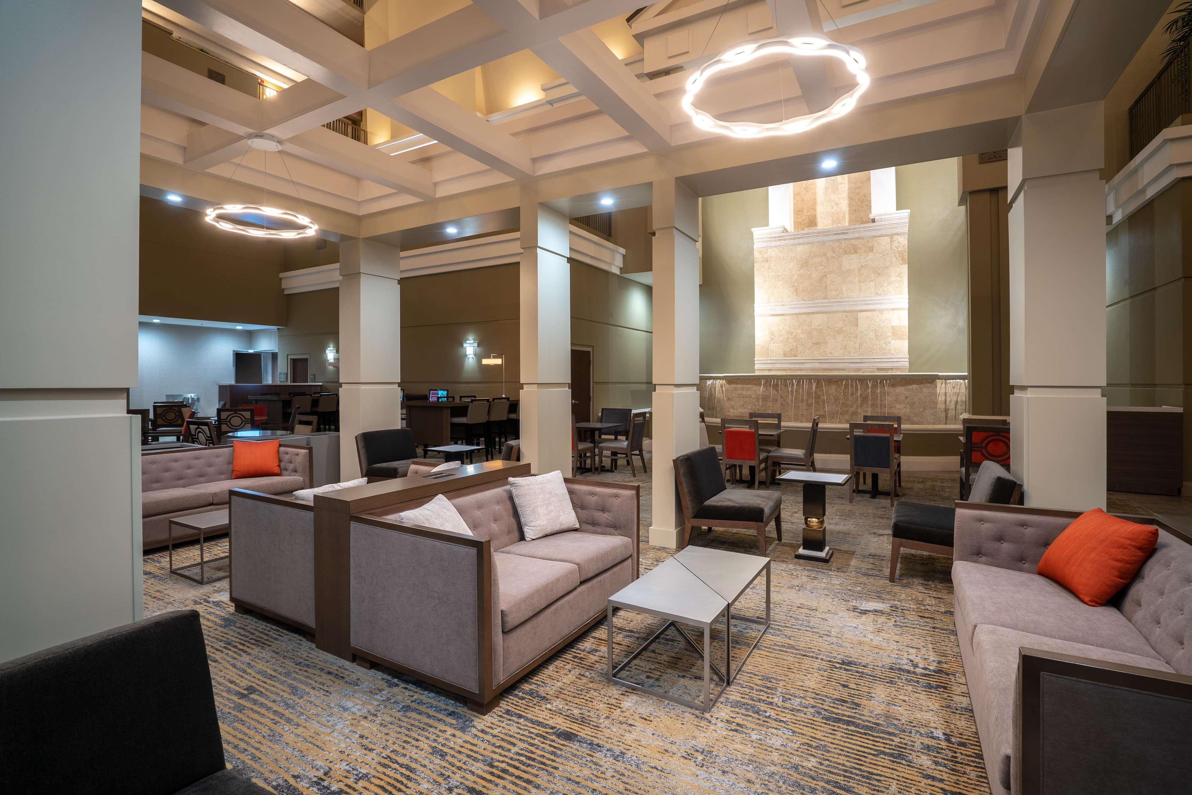 Embassy Suites by Hilton Nashville at Vanderbilt image 12