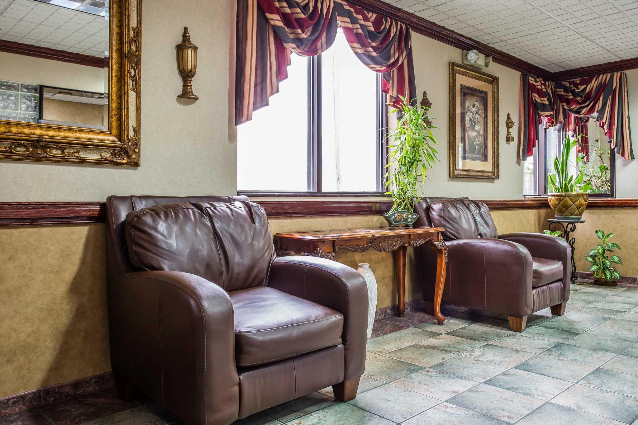 Quality Inn & Suites Ft. Jackson Maingate image 22