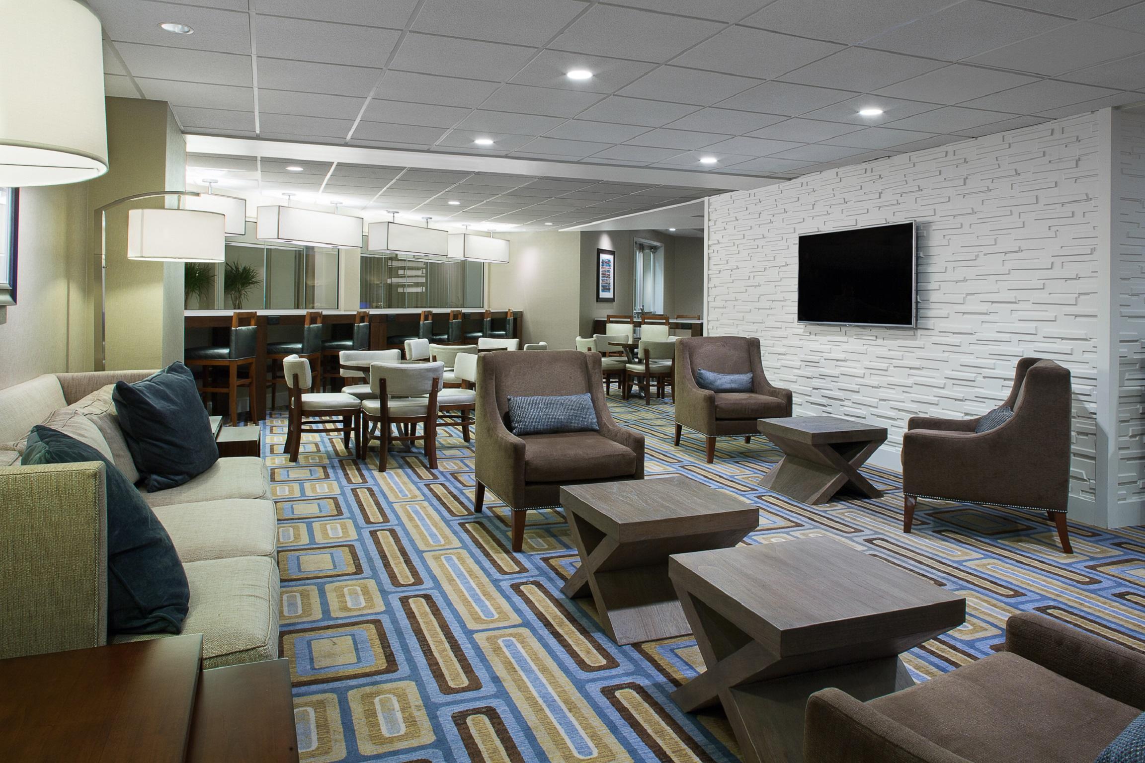 Hilton Crystal City At Washington Reagan National Airport Arlington Va Company Information