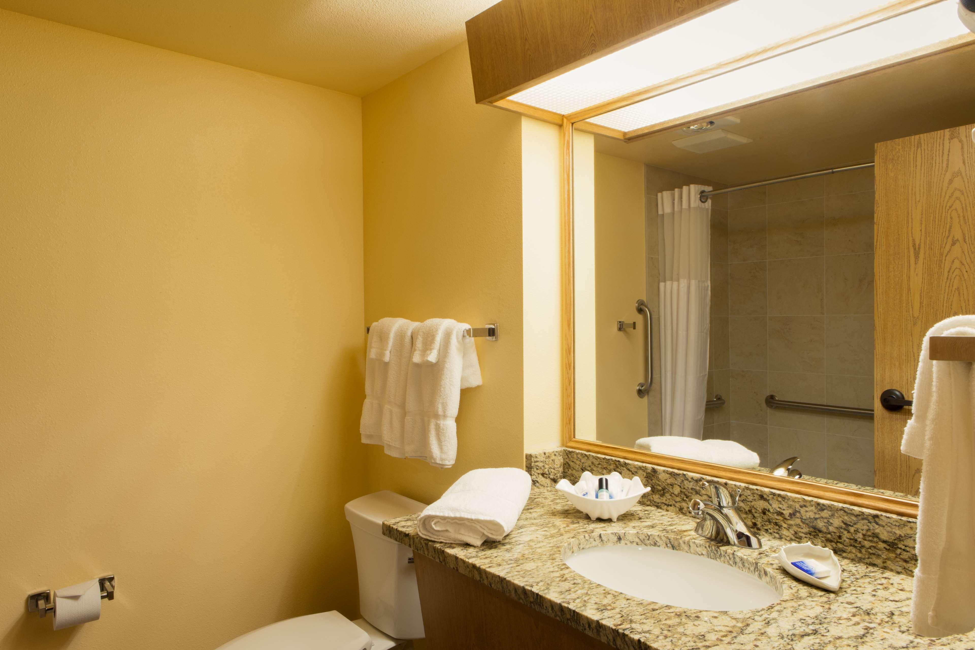 Best Western Plus Caldwell Inn & Suites image 36