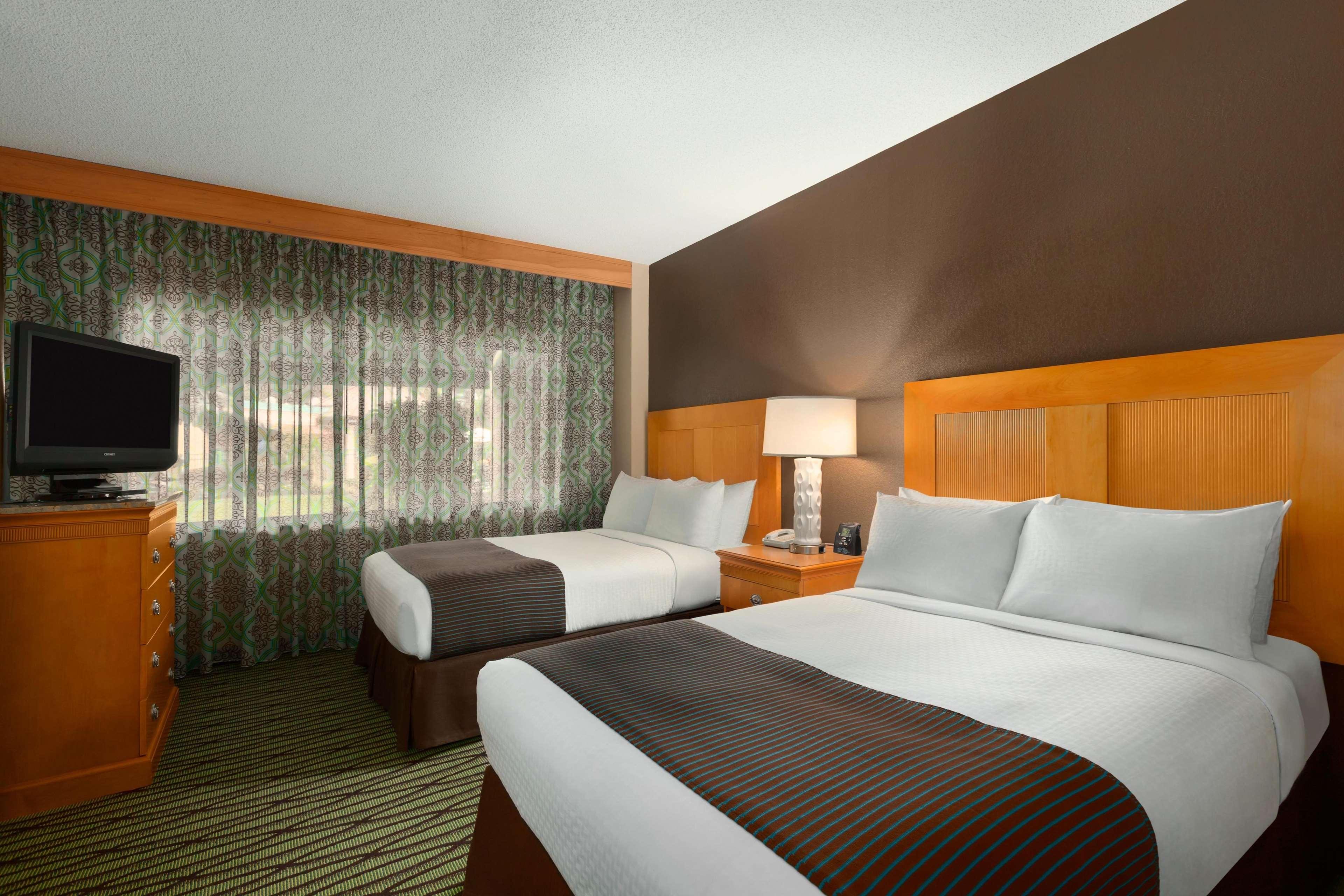 DoubleTree Suites by Hilton Orlando - Disney Springs Area image 26