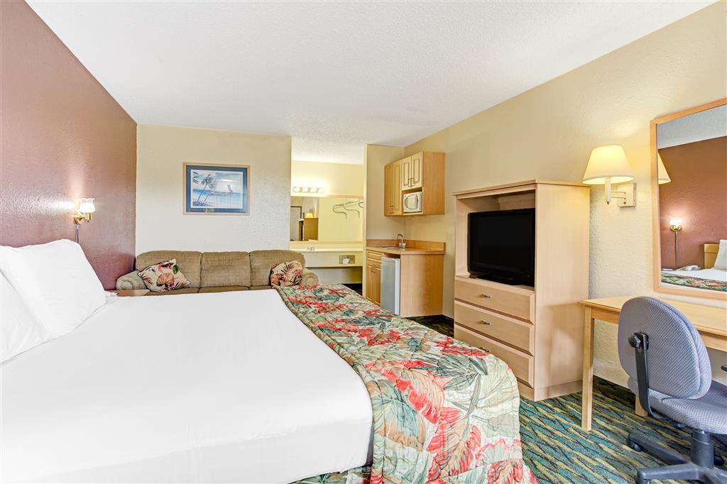 Baymont Inn & Suites Kissimmee image 9