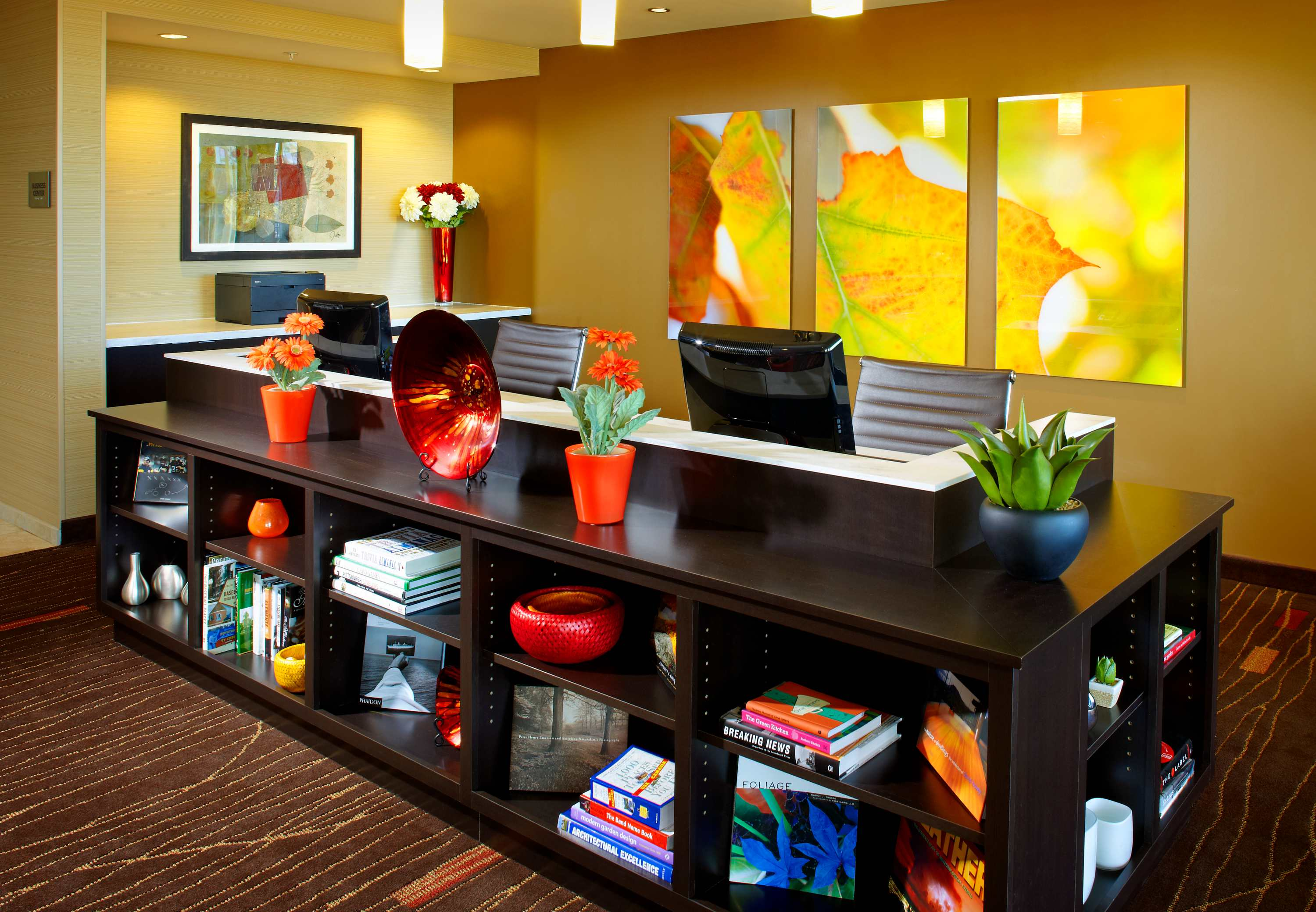 Courtyard by Marriott Pittsburgh Washington/Meadow Lands image 17