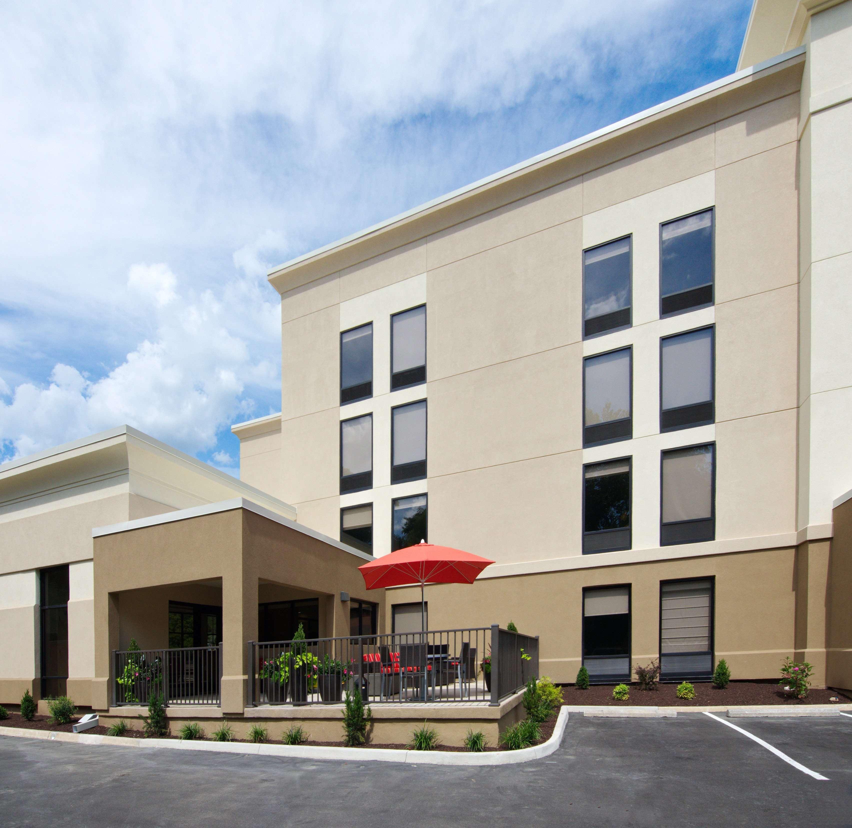 Hampton Inn Covington image 7