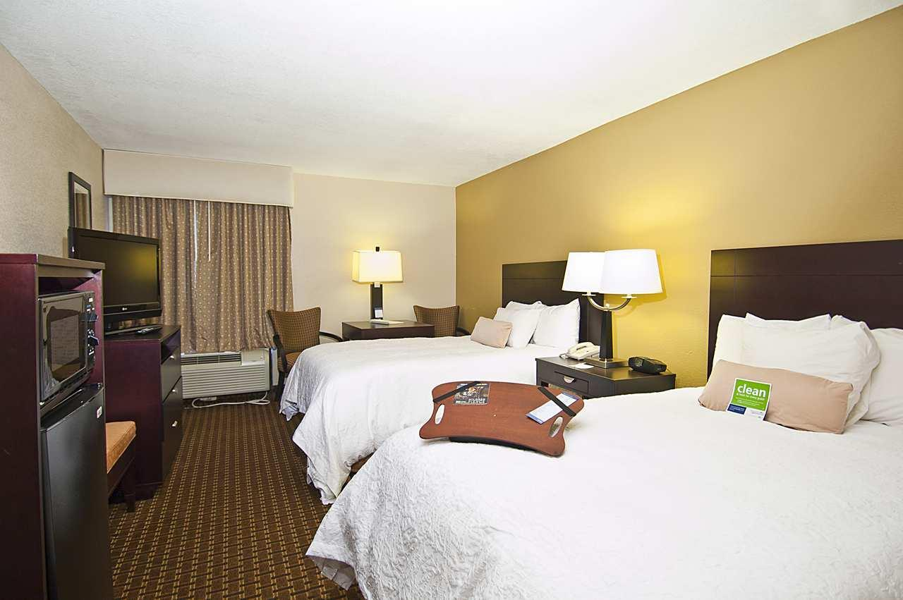 Hampton Inn Biloxi/Ocean Springs image 14