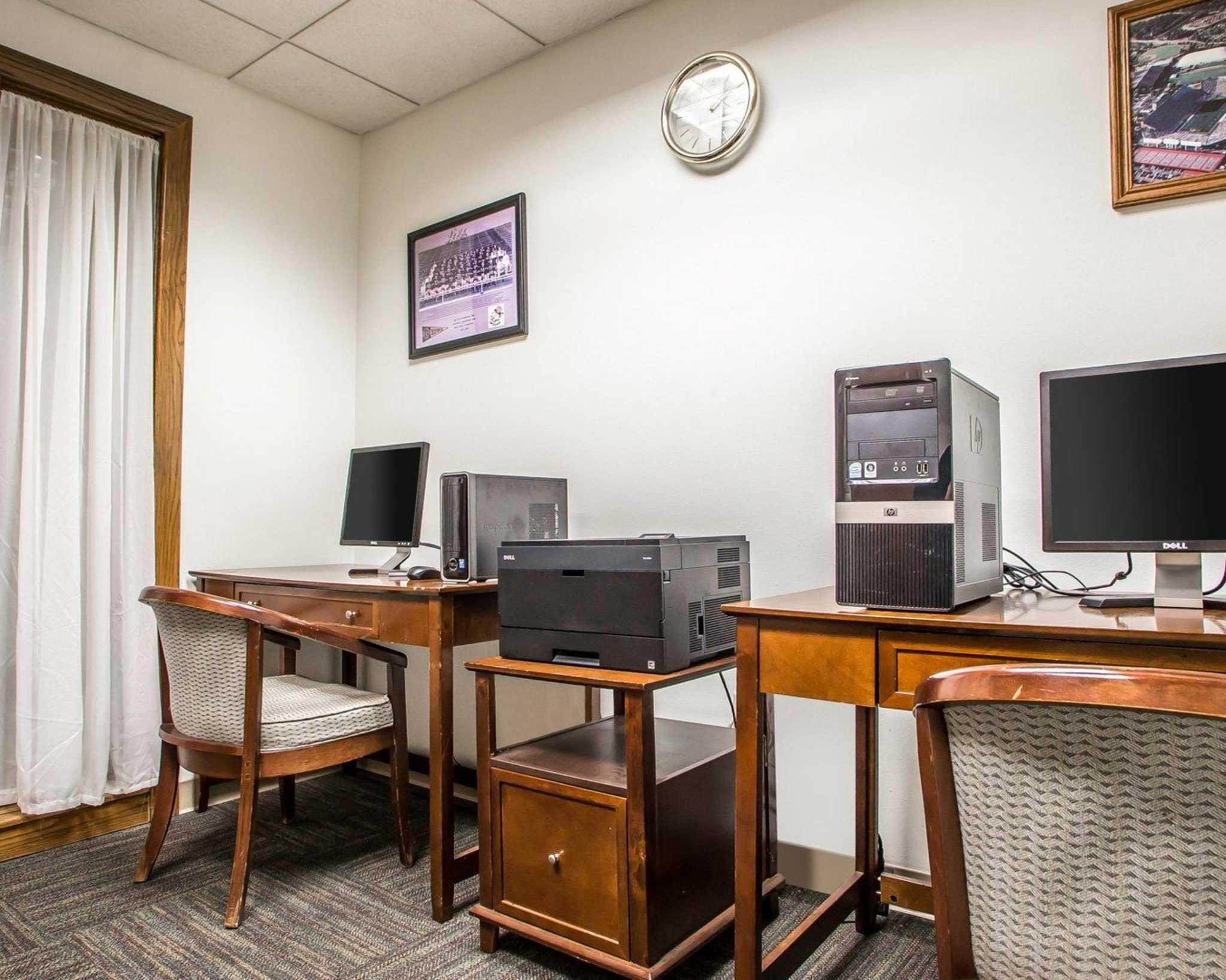Clarion Hotel Highlander Conference Center image 34