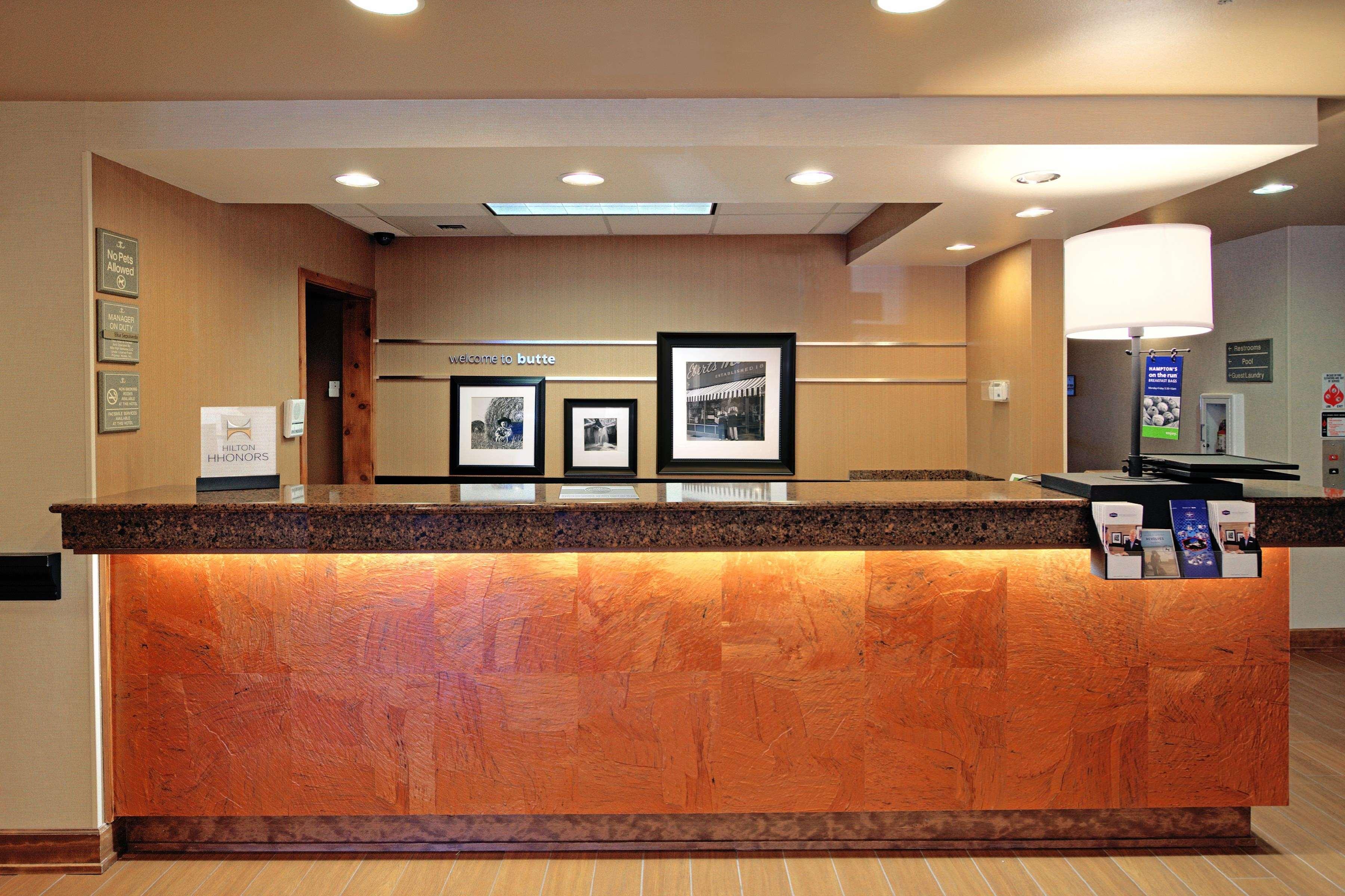 Hampton Inn Butte image 4