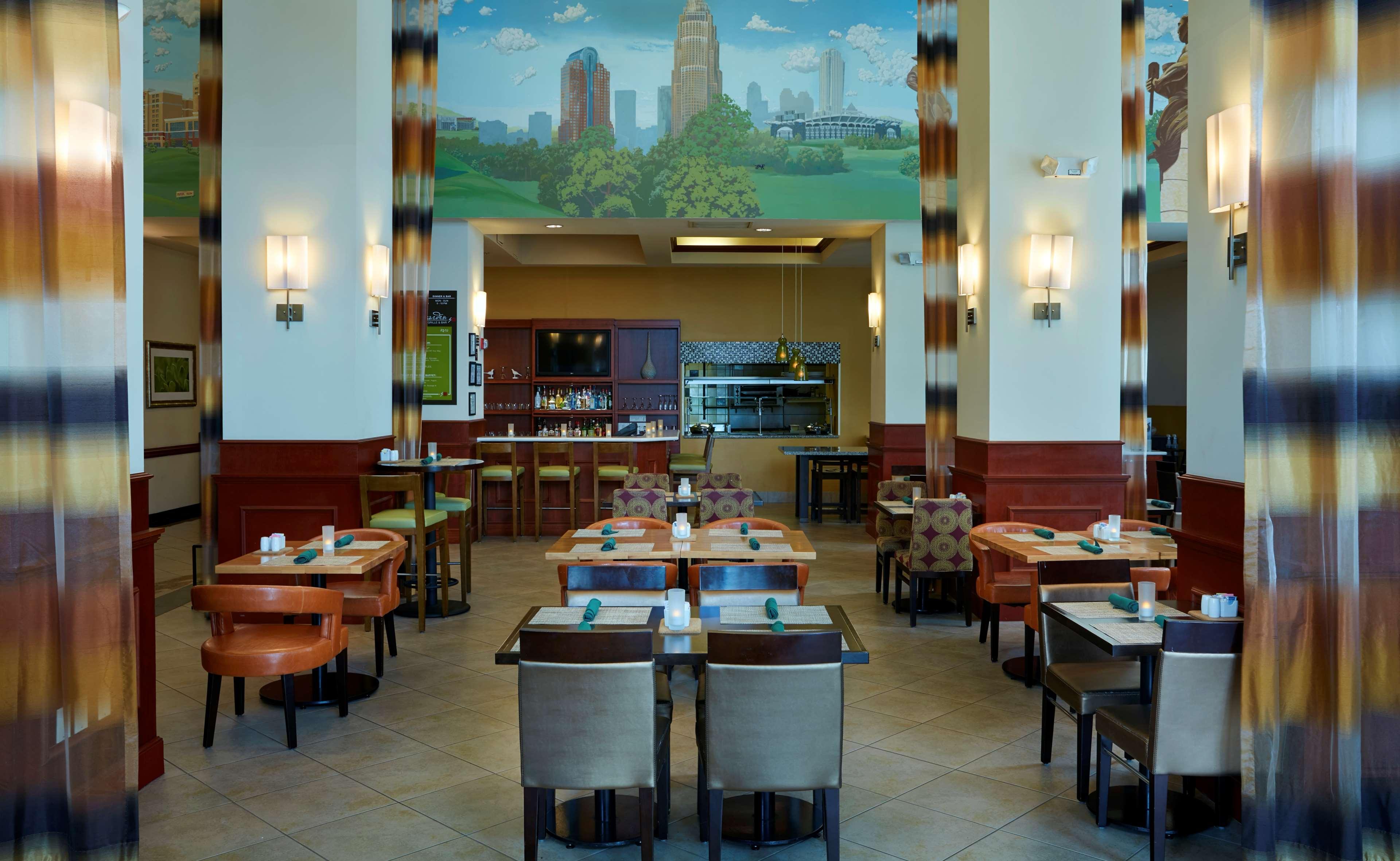Hilton Garden Inn Charlotte Uptown image 8
