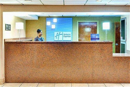 Holiday Inn Express Memphis Medical Center Midtown image 1