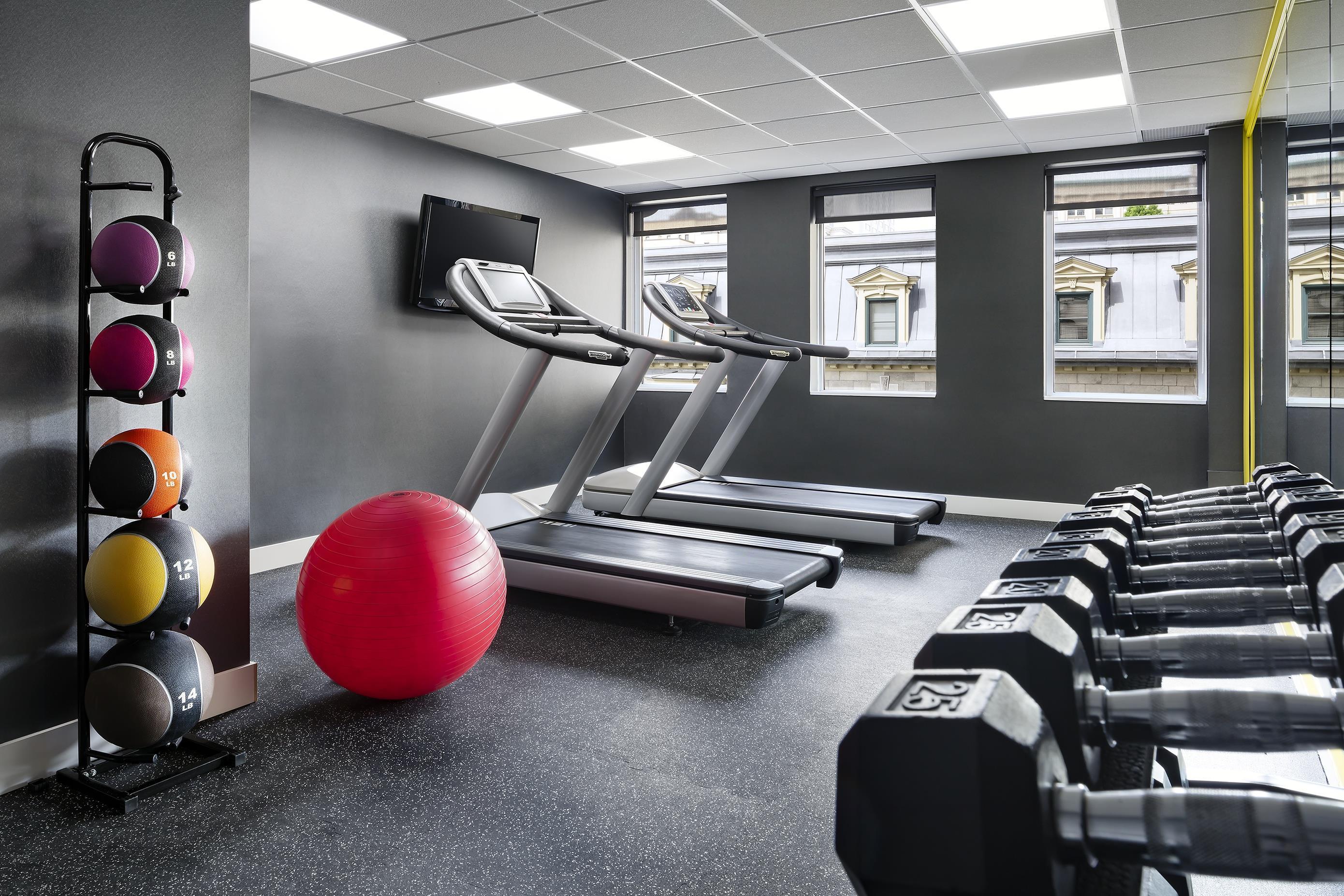 Le Méridien Versailles à Montreal: Fitness Center