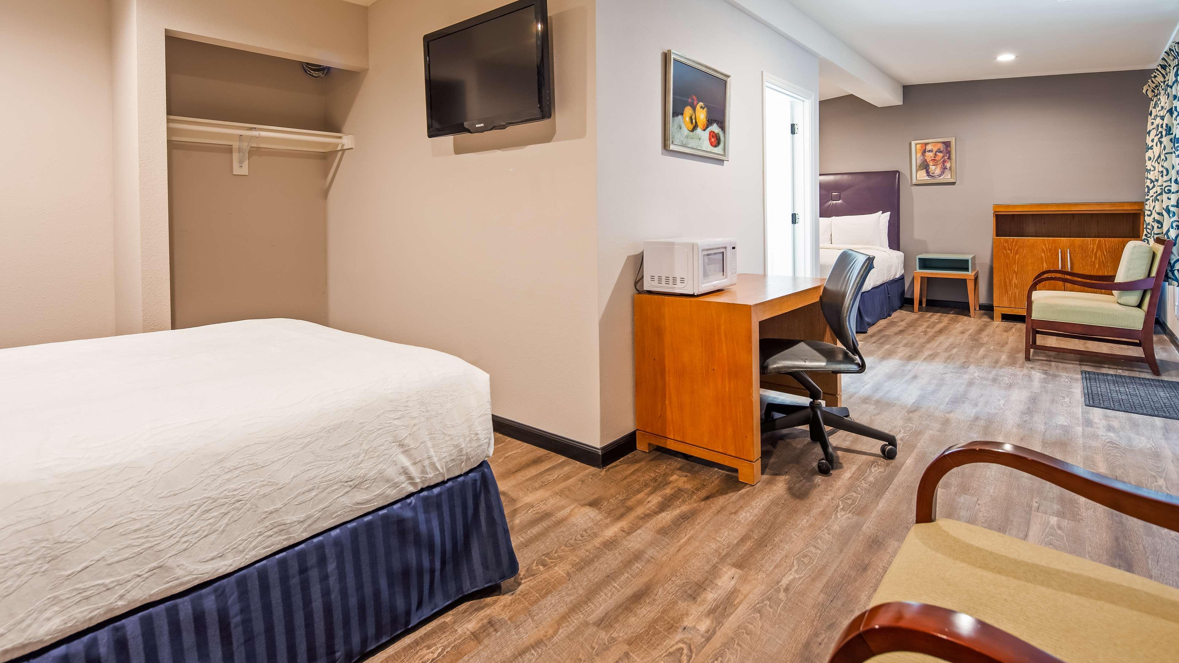 SureStay Hotel by Best Western Ridgecrest image 5