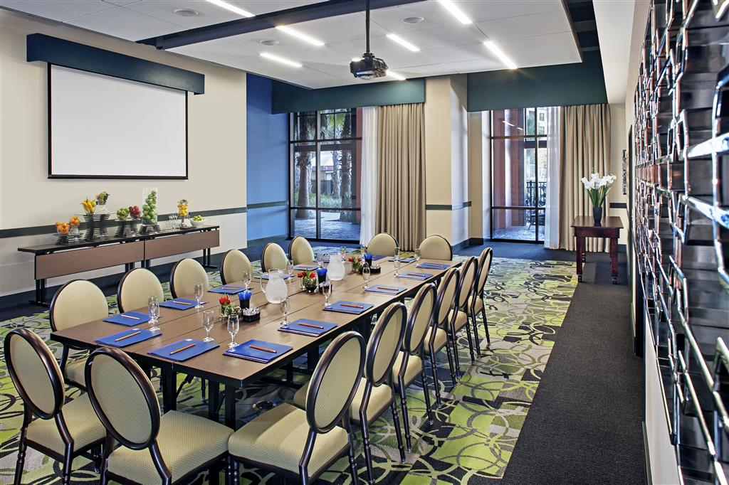 Ponce de León Meeting Room. Click on thumbnail for more information about this asset.