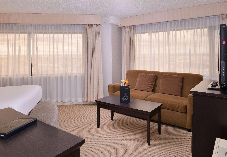 Delta hotels by marriott regina regina sk ourbis for 306 salon regina
