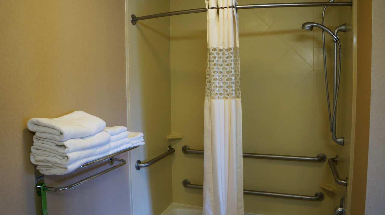 Hampton Inn & Suites Kingman image 18