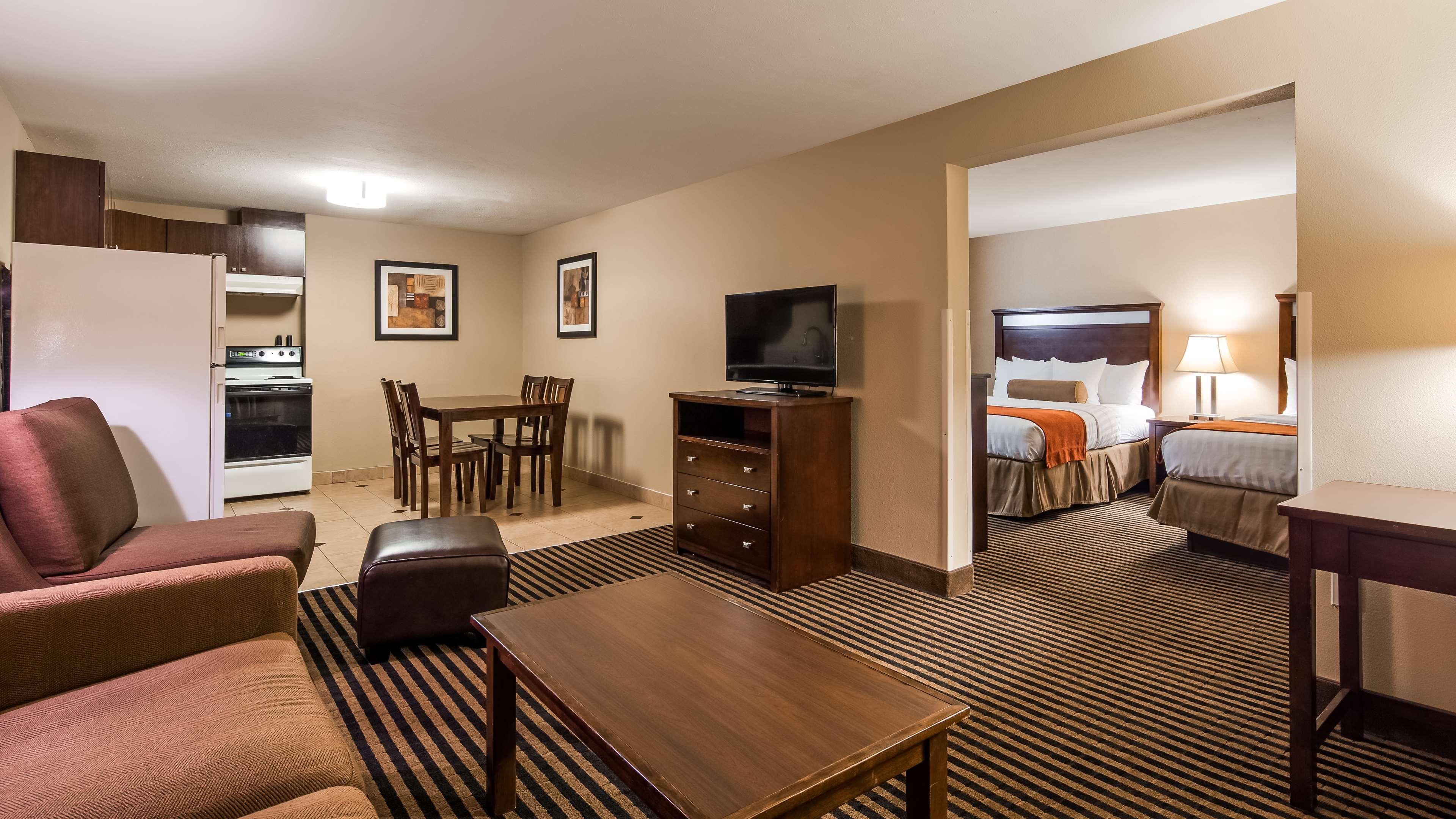 Best Western Plus Prairie Inn image 36