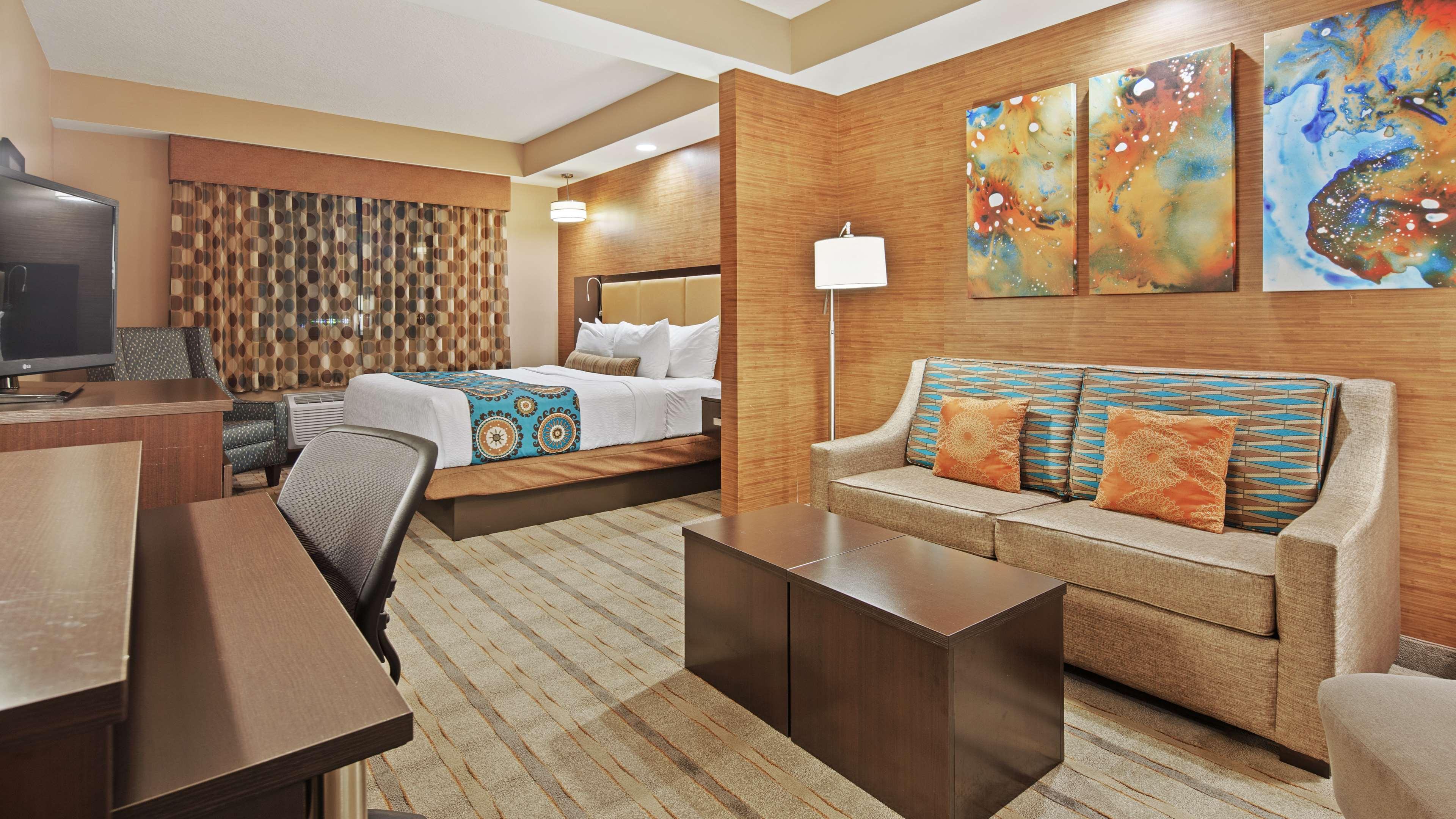 Best Western Plus Kendall Airport Hotel & Suites image 14