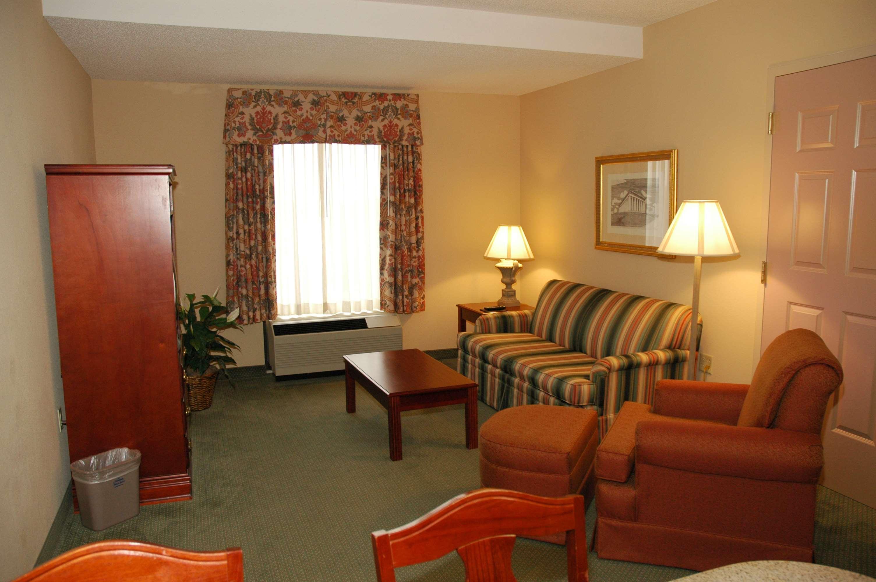 Hampton Inn & Suites Nashville-Green Hills image 12