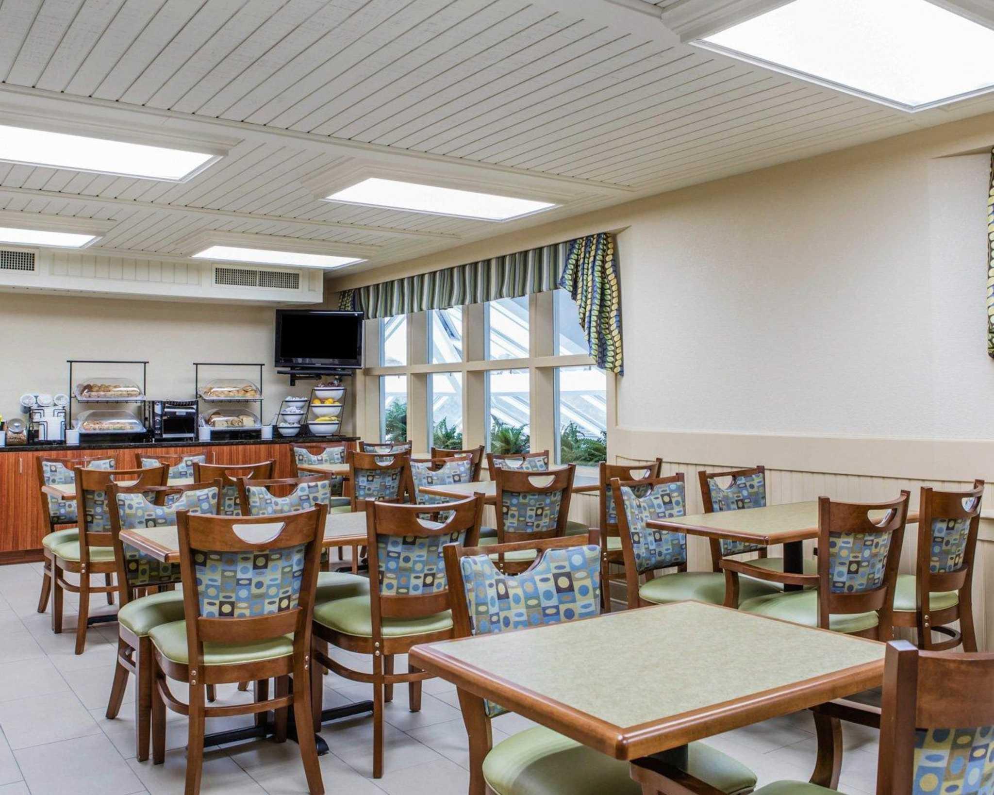 Comfort Inn Apple Valley image 24
