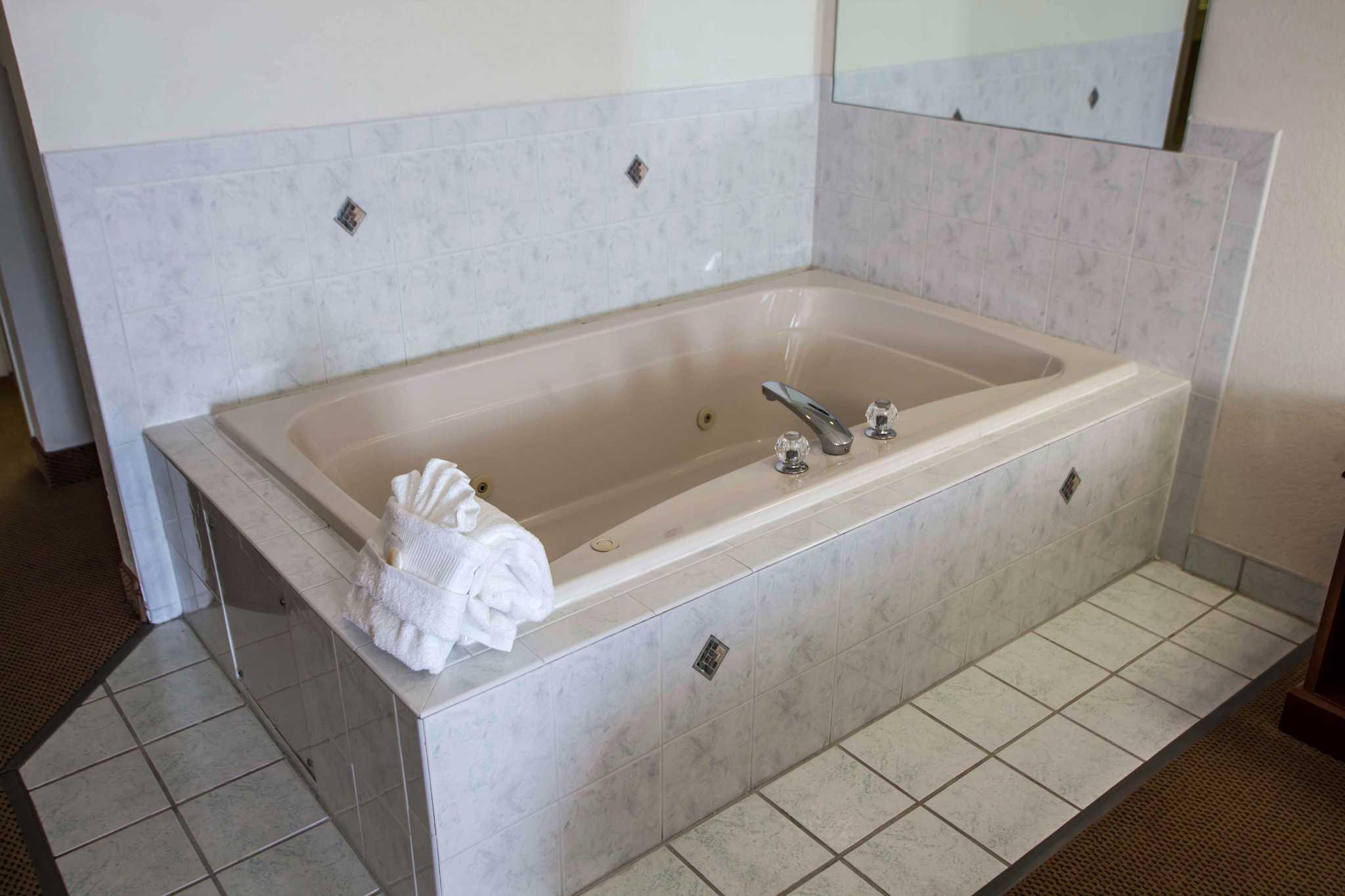 Comfort Inn & Suites in Geneva, IL, photo #24