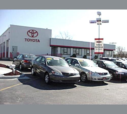 Lombard Toyota image 4