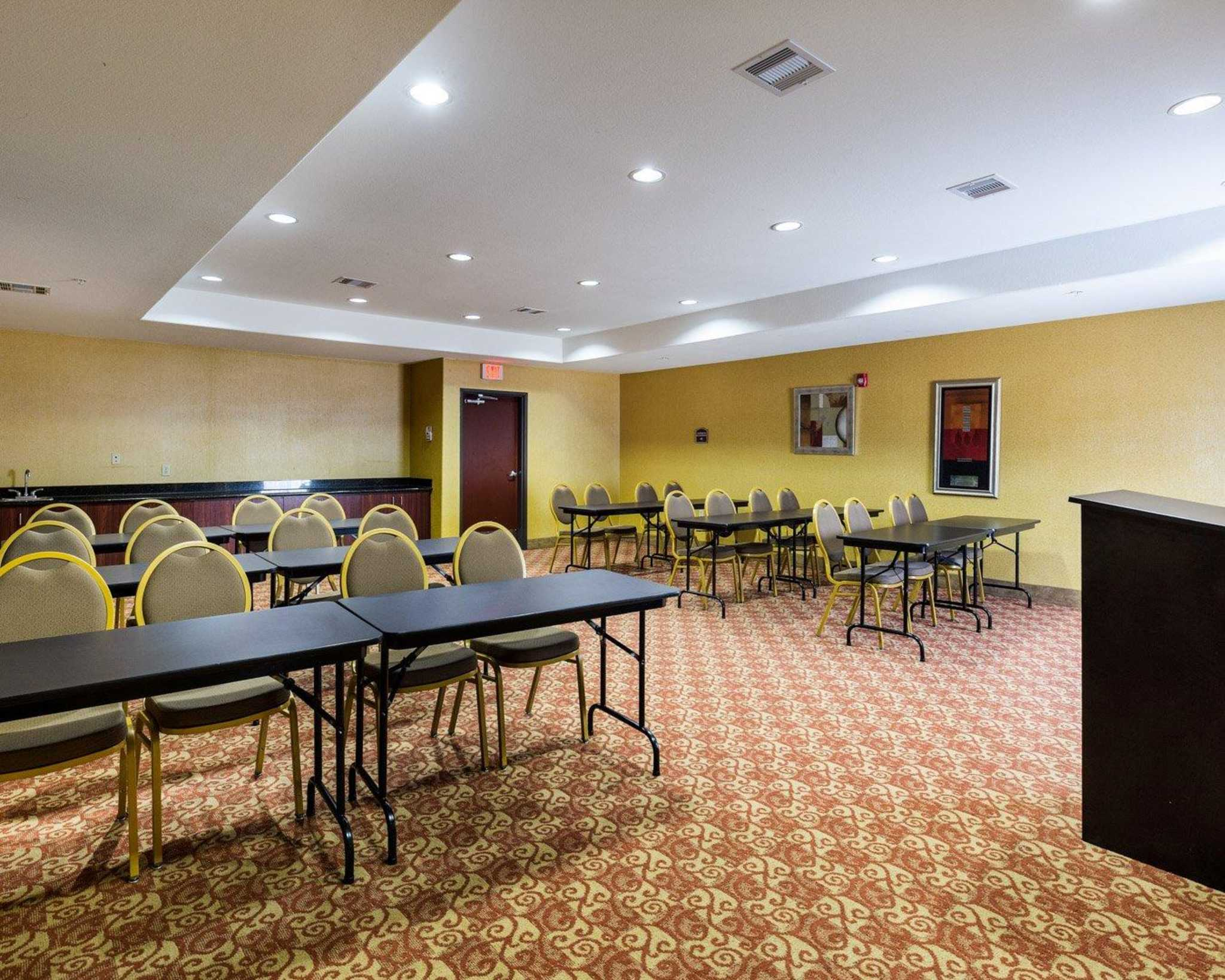 Comfort Suites Pearland - South Houston image 6
