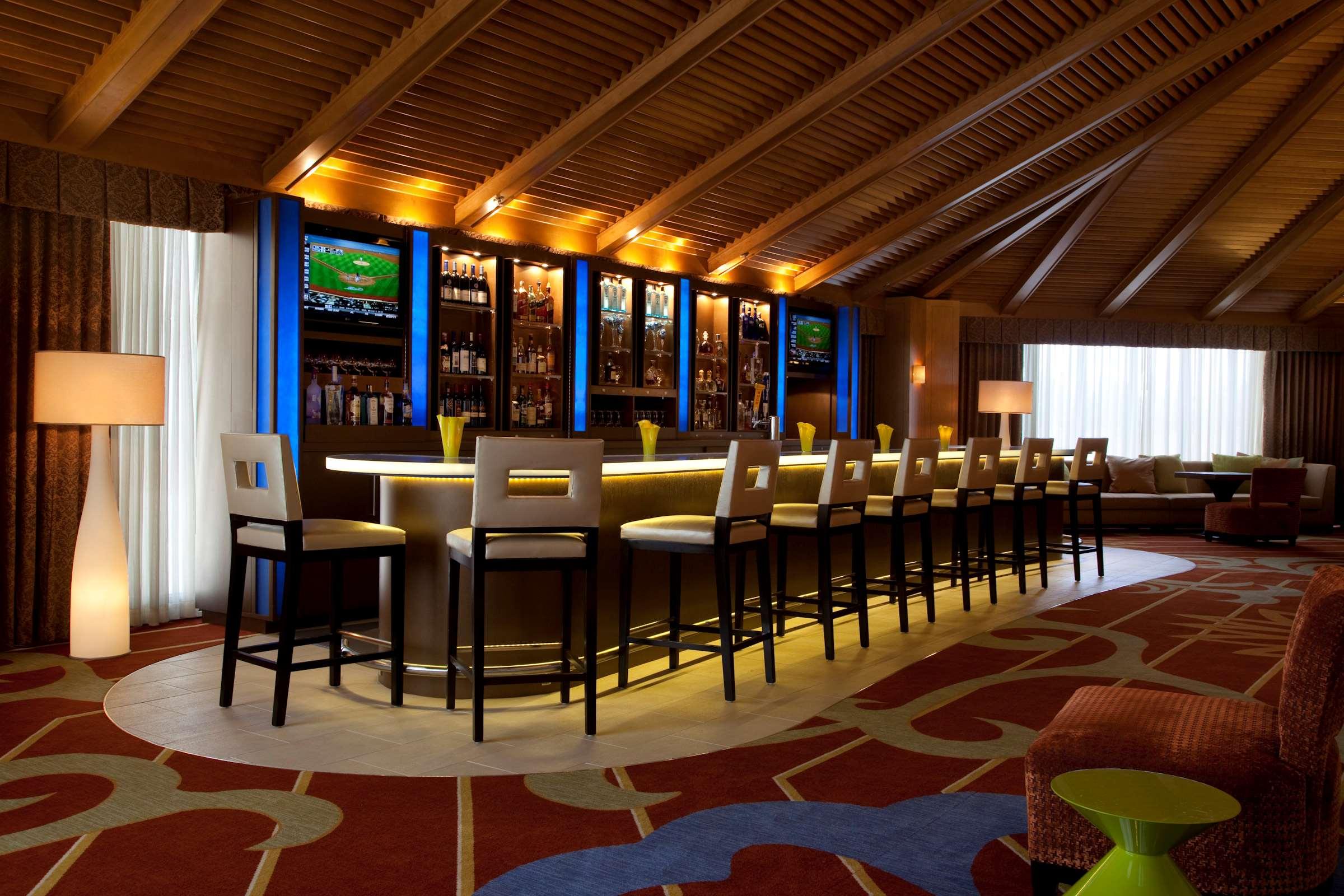 DoubleTree by Hilton Hotel Houston - Greenway Plaza image 40