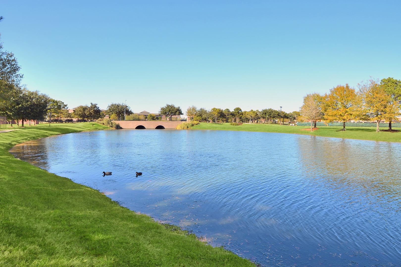 The Lakes at Cinco Ranch Apartments in Katy, TX image 9