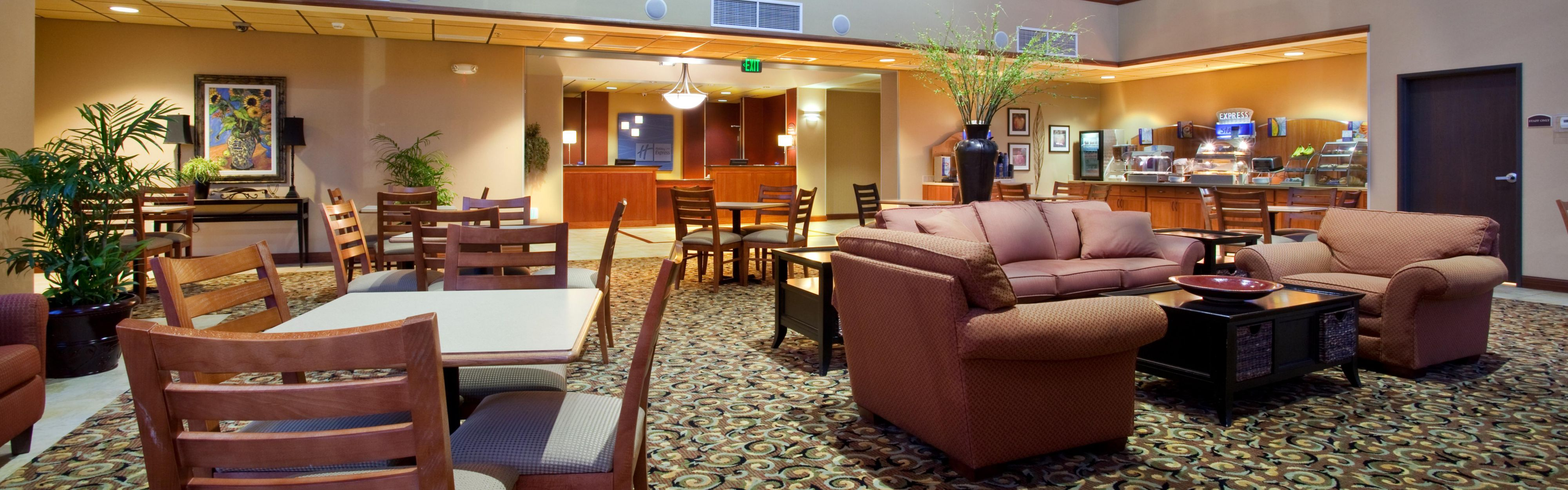 Holiday Inn Express & Suites Goodland image 3