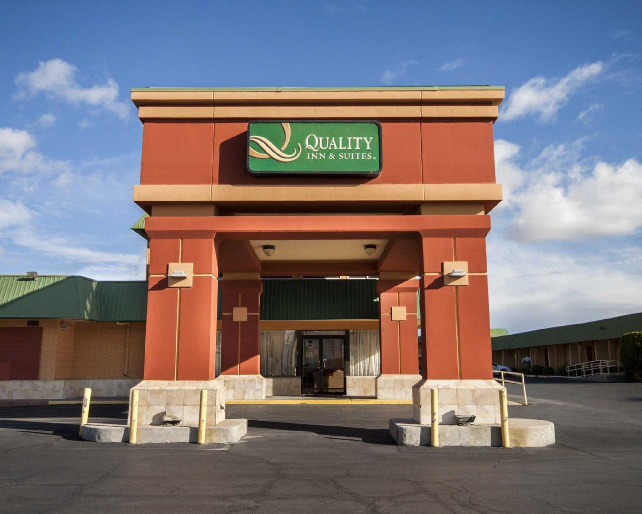 Quality Inn & Suites Airport image 0