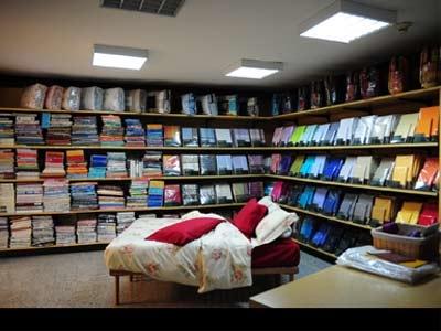 Centro arredamento mascotti produzione di coperte cles for Centro tendaggi arredamento