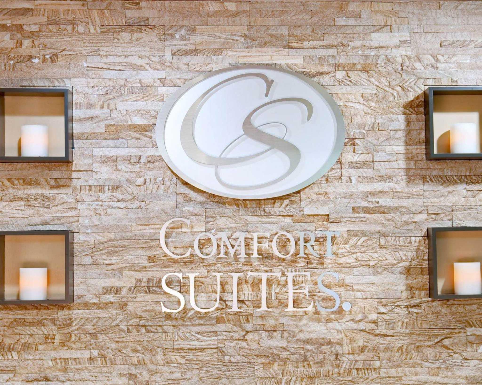 Comfort Suites Inn at Ridgewood Farm image 1