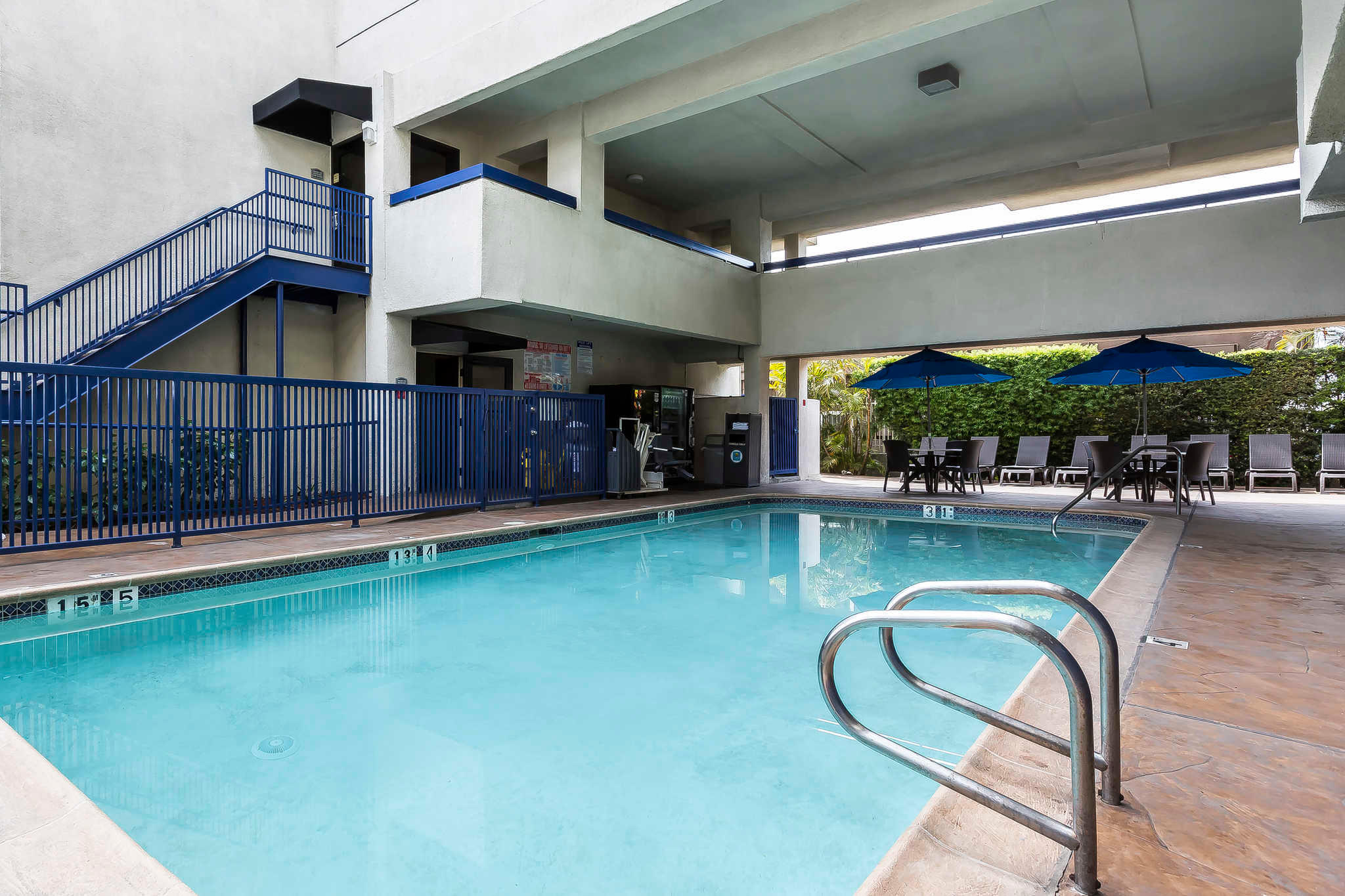 Quality Inn & Suites Los Angeles Airport - LAX image 26