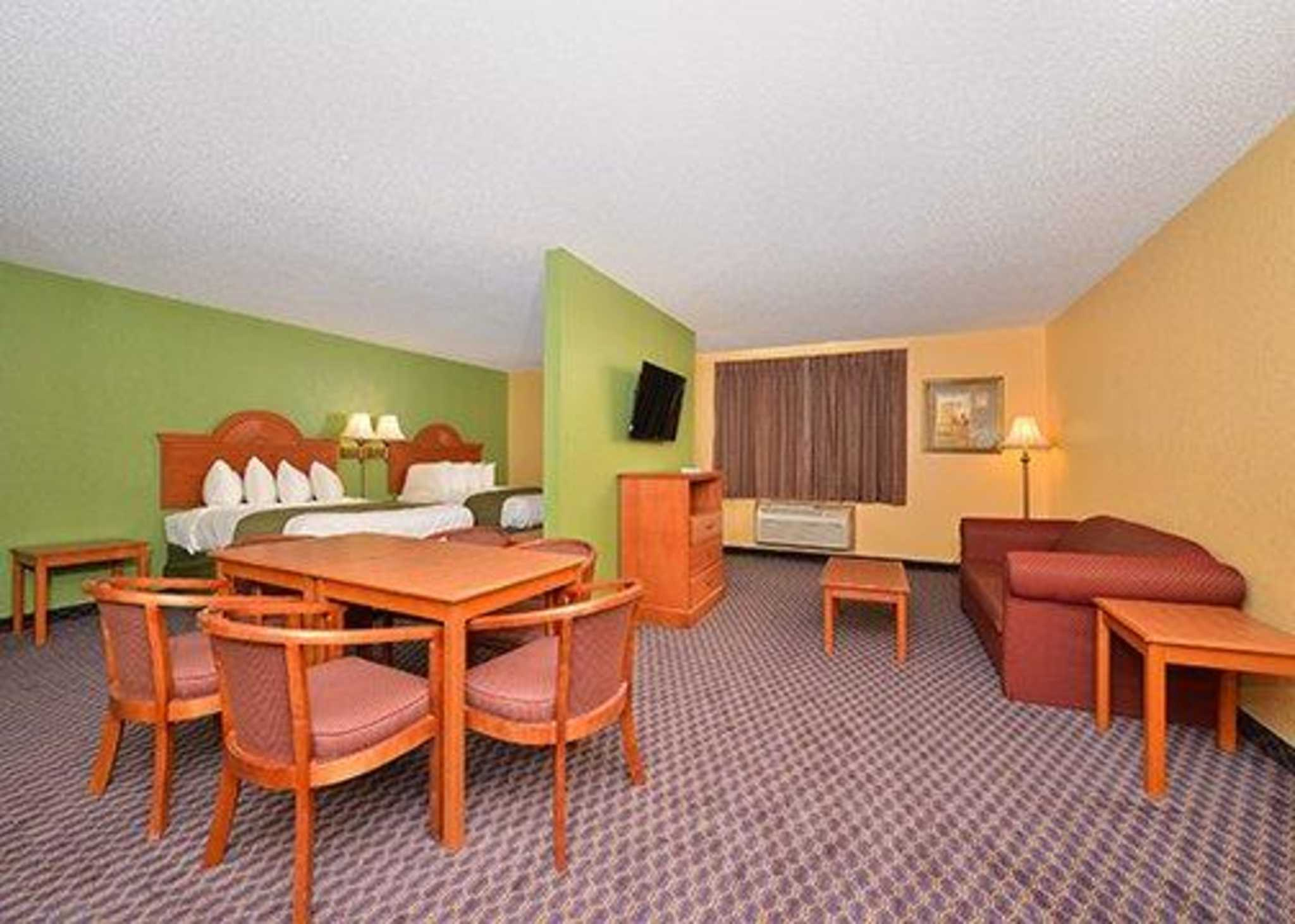 Quality Inn & Suites image 25