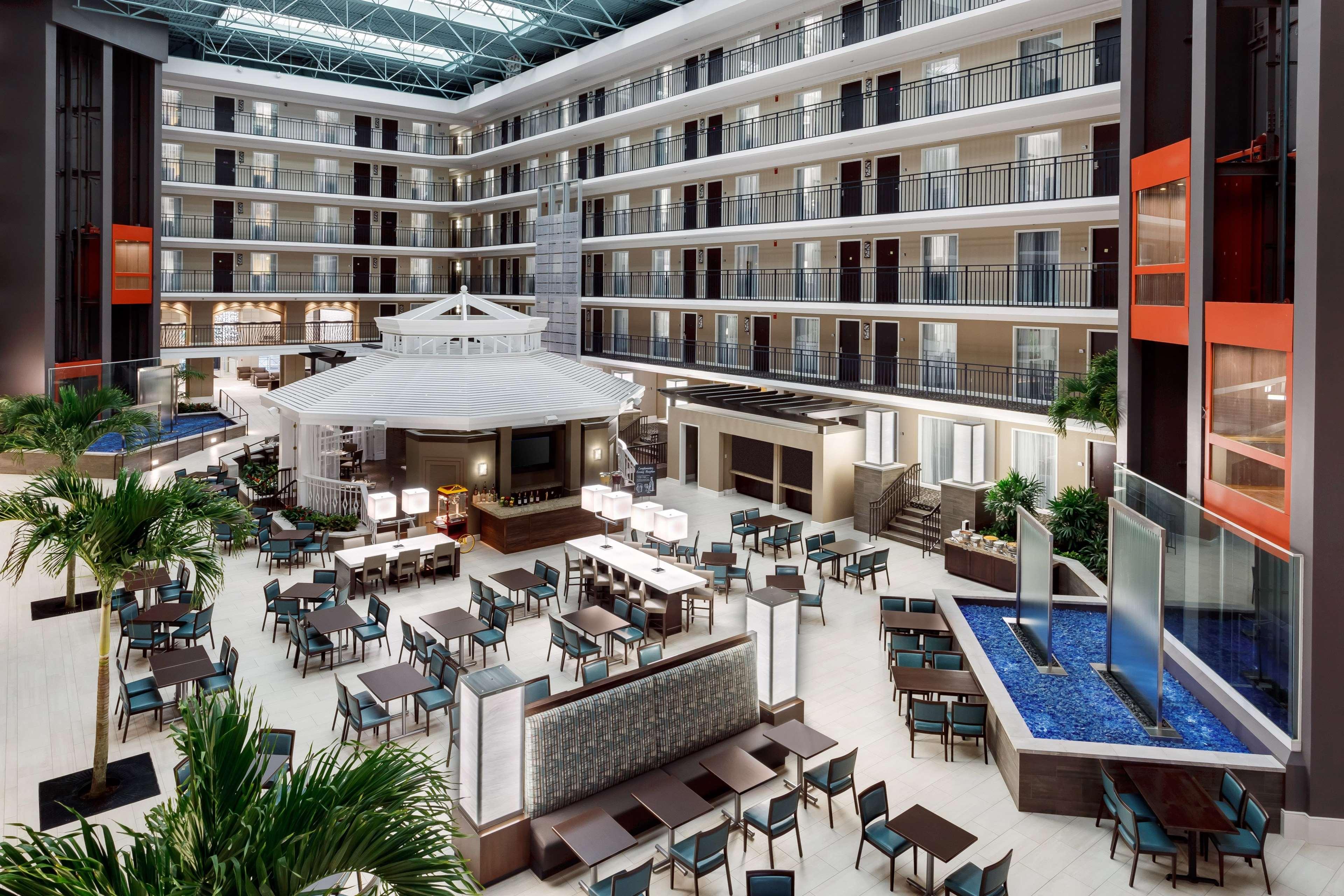 Embassy Suites by Hilton Orlando Lake Buena Vista Resort image 4