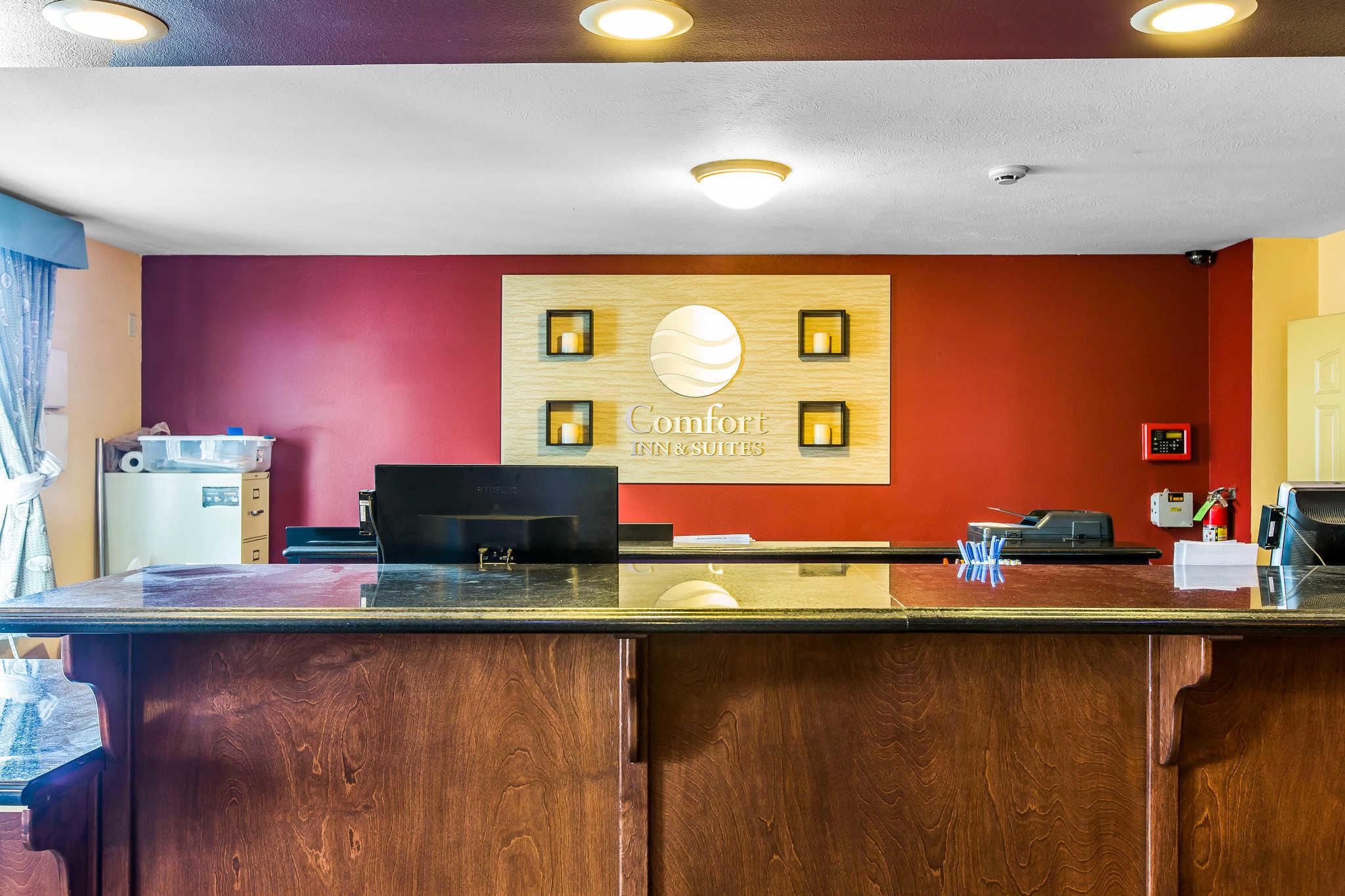 Comfort Inn & Suites El Centro I-8 image 2