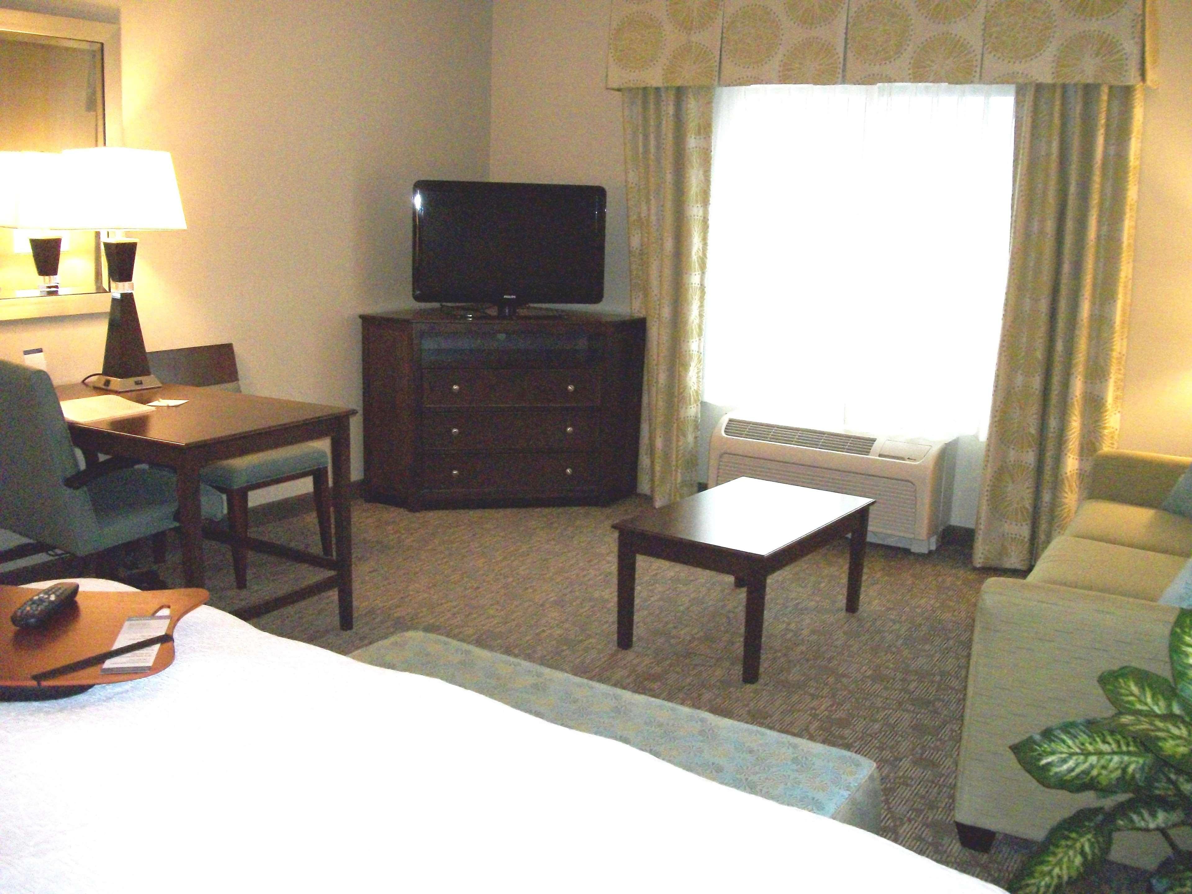 Hampton Inn & Suites Manteca image 47