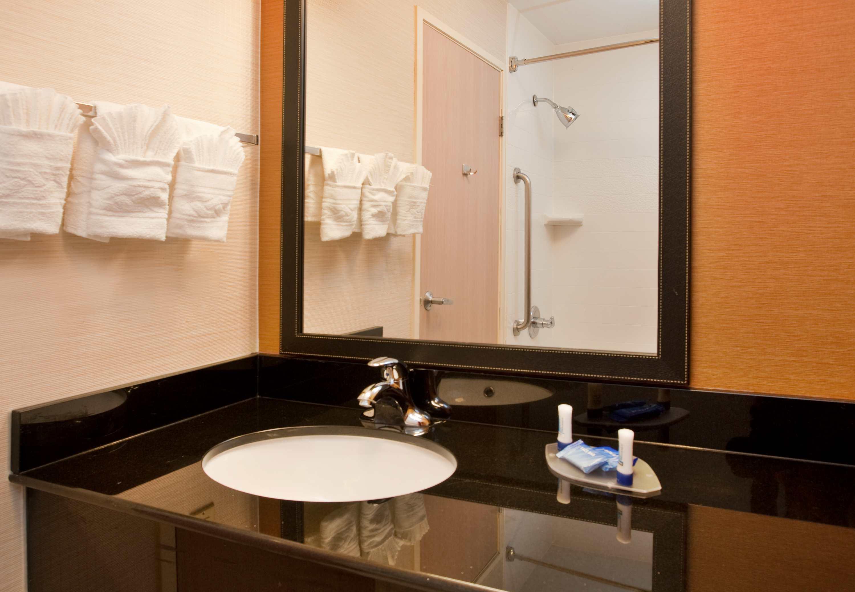 Fairfield Inn & Suites by Marriott Austin South image 5