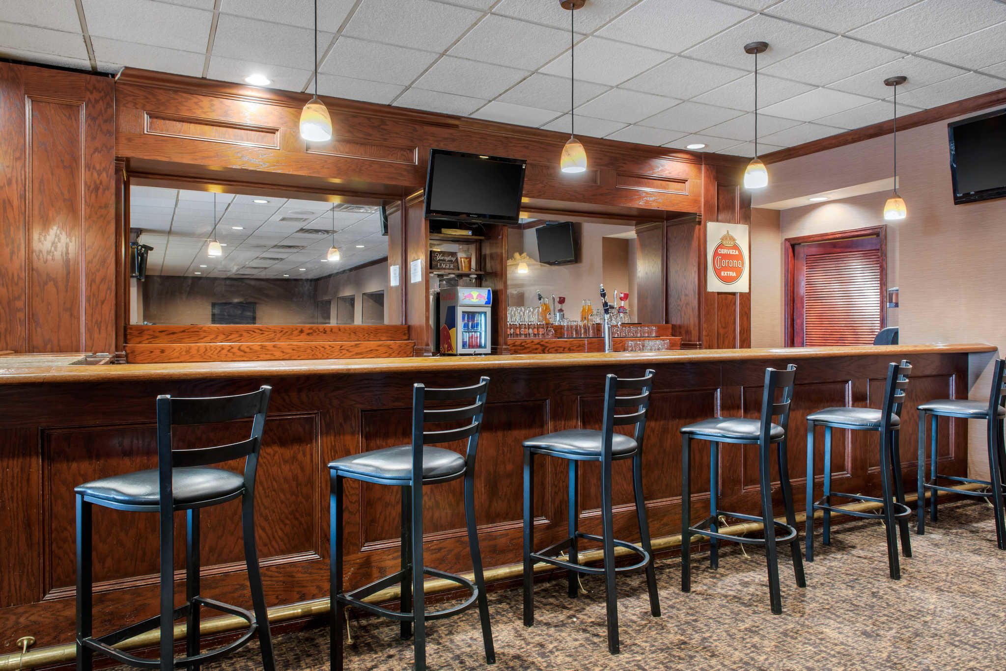 Quality Inn Airport image 34