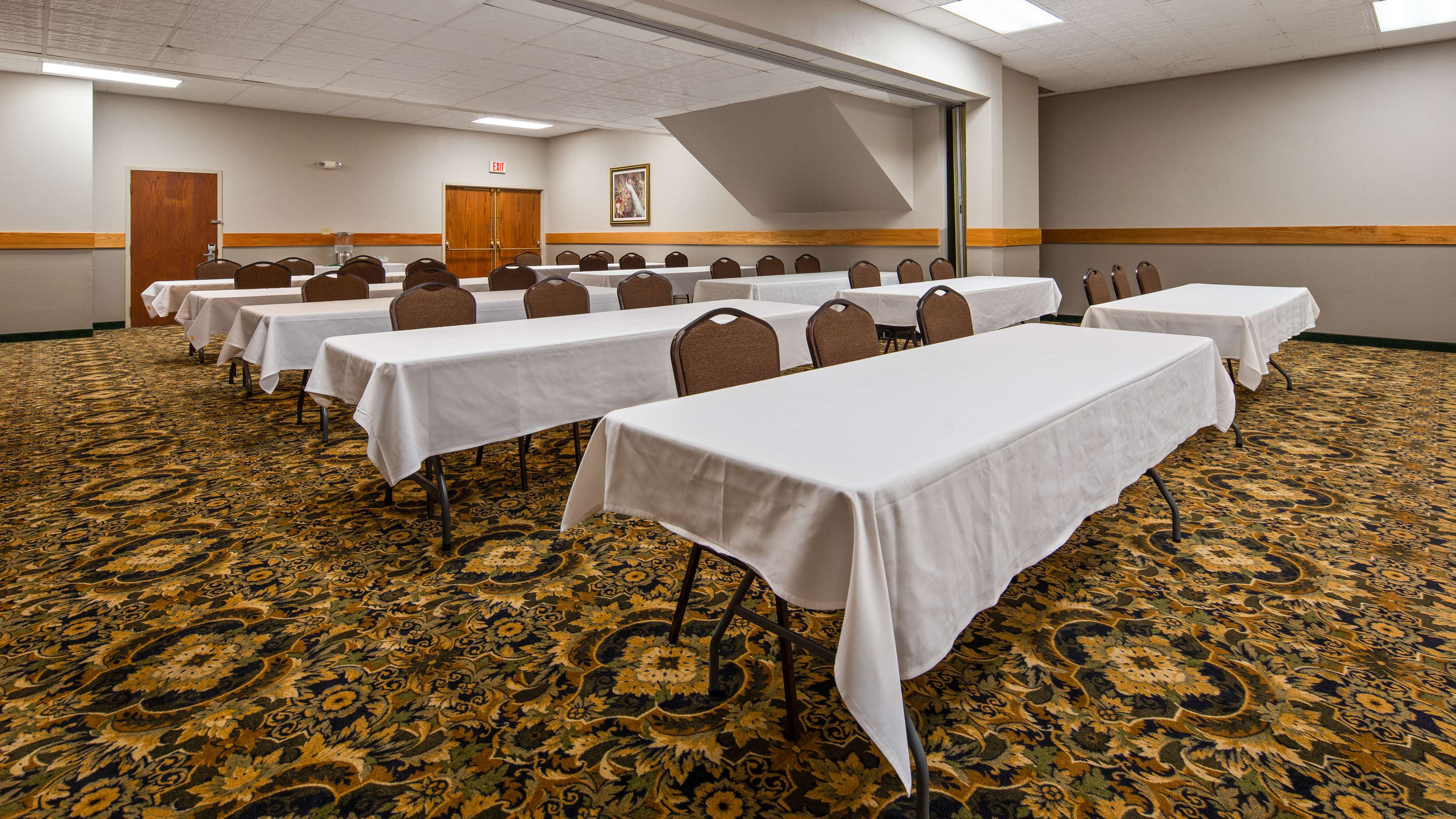 Best Western The Hotel Chequamegon image 44
