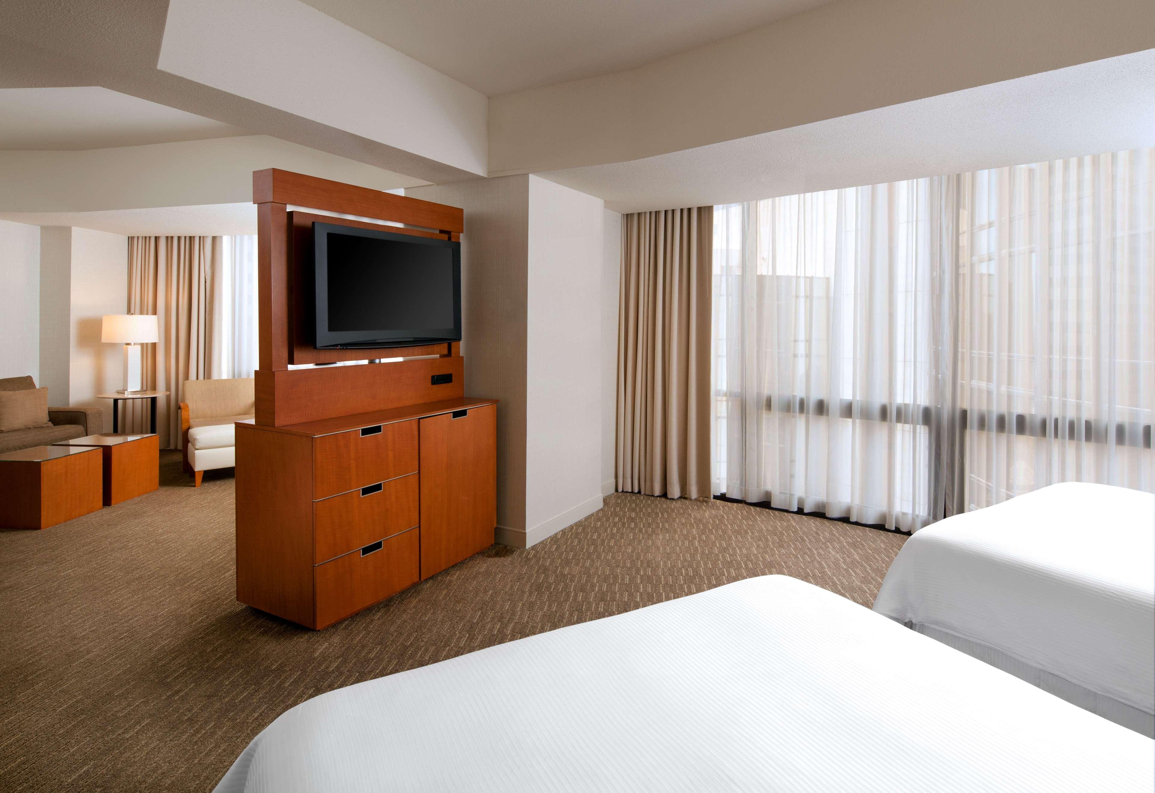 The Westin Bonaventure Hotel & Suites, Los Angeles image 9