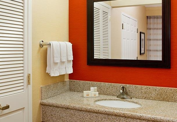 Courtyard by Marriott Boston Milford image 17