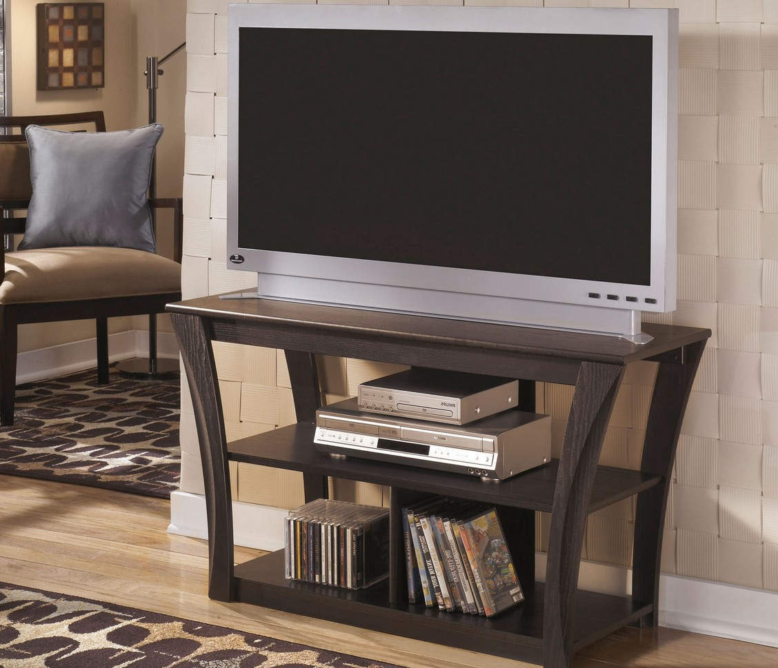Empire furniture rental at 897 fee fee rd maryland for Furniture rental