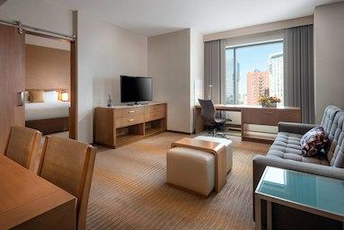 Courtyard by Marriott Los Angeles L.A. LIVE image 6