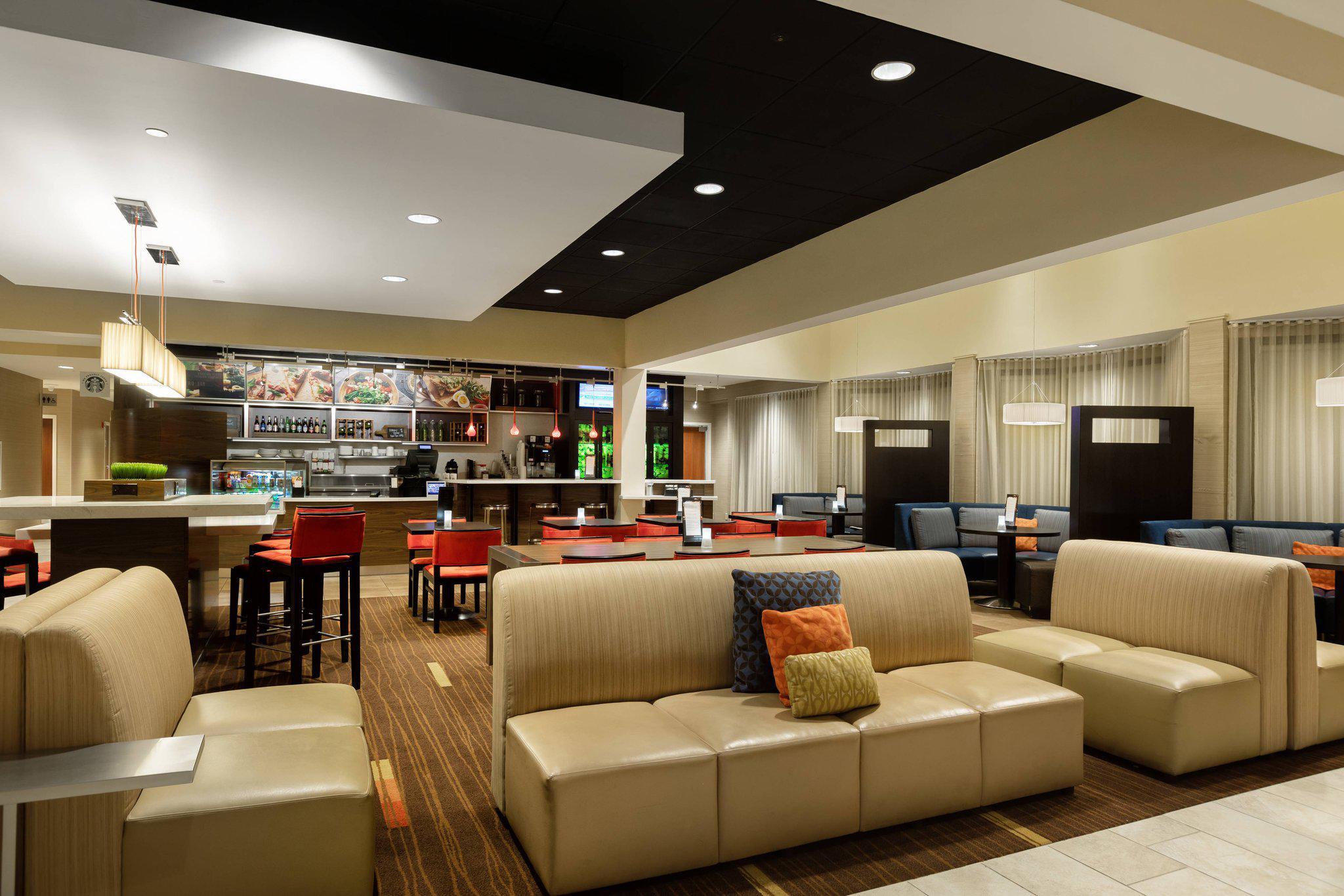 Courtyard by Marriott Dallas-Fort Worth/Bedford