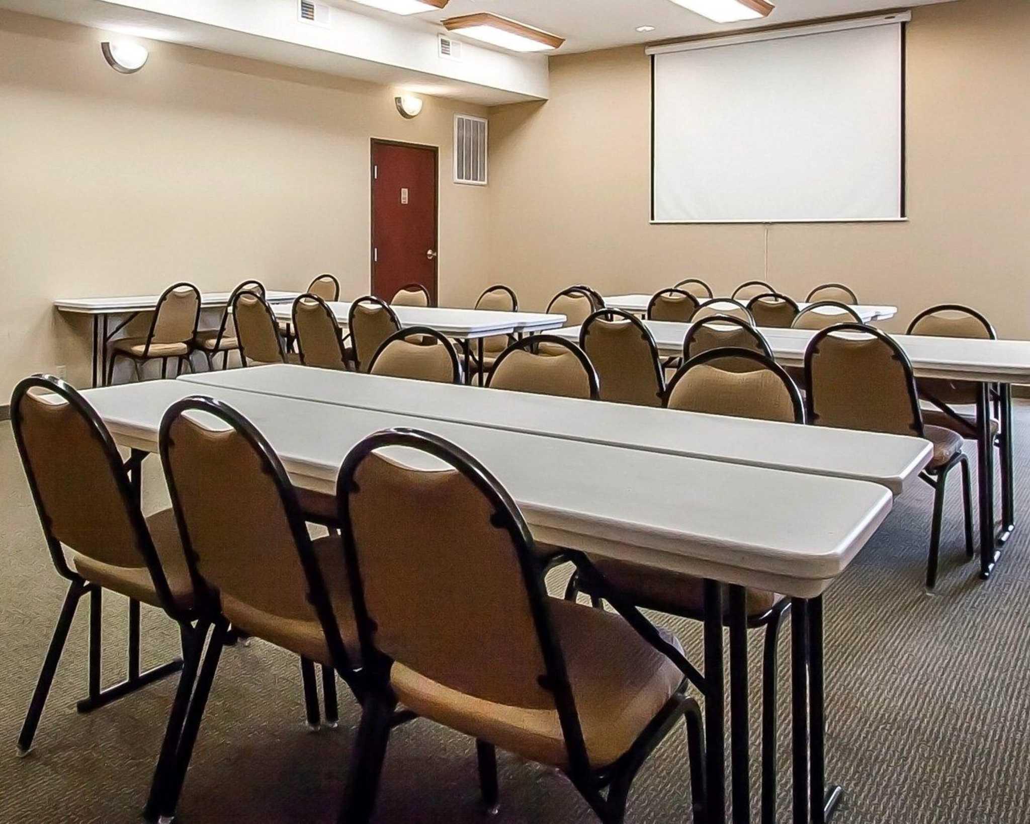 Comfort Suites Jackson-Cape Girardeau image 19