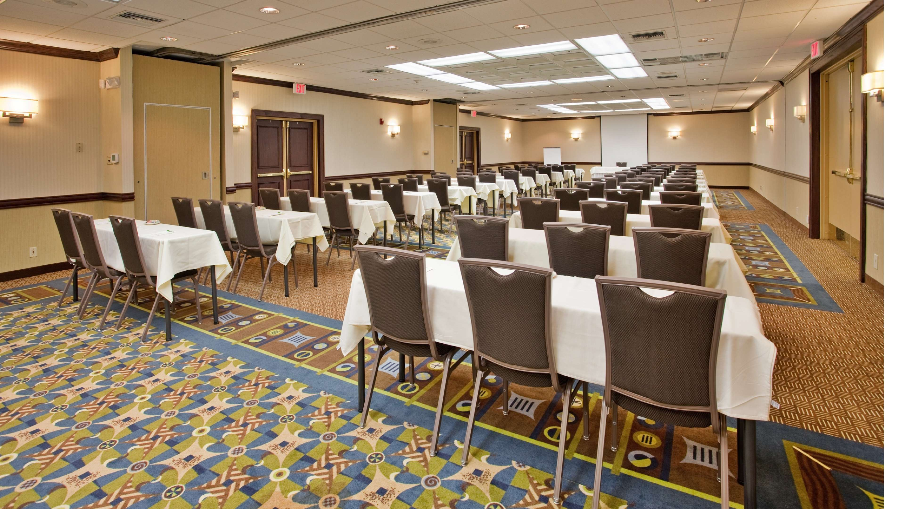 SureStay Plus Hotel by Best Western Kansas City Northeast image 16